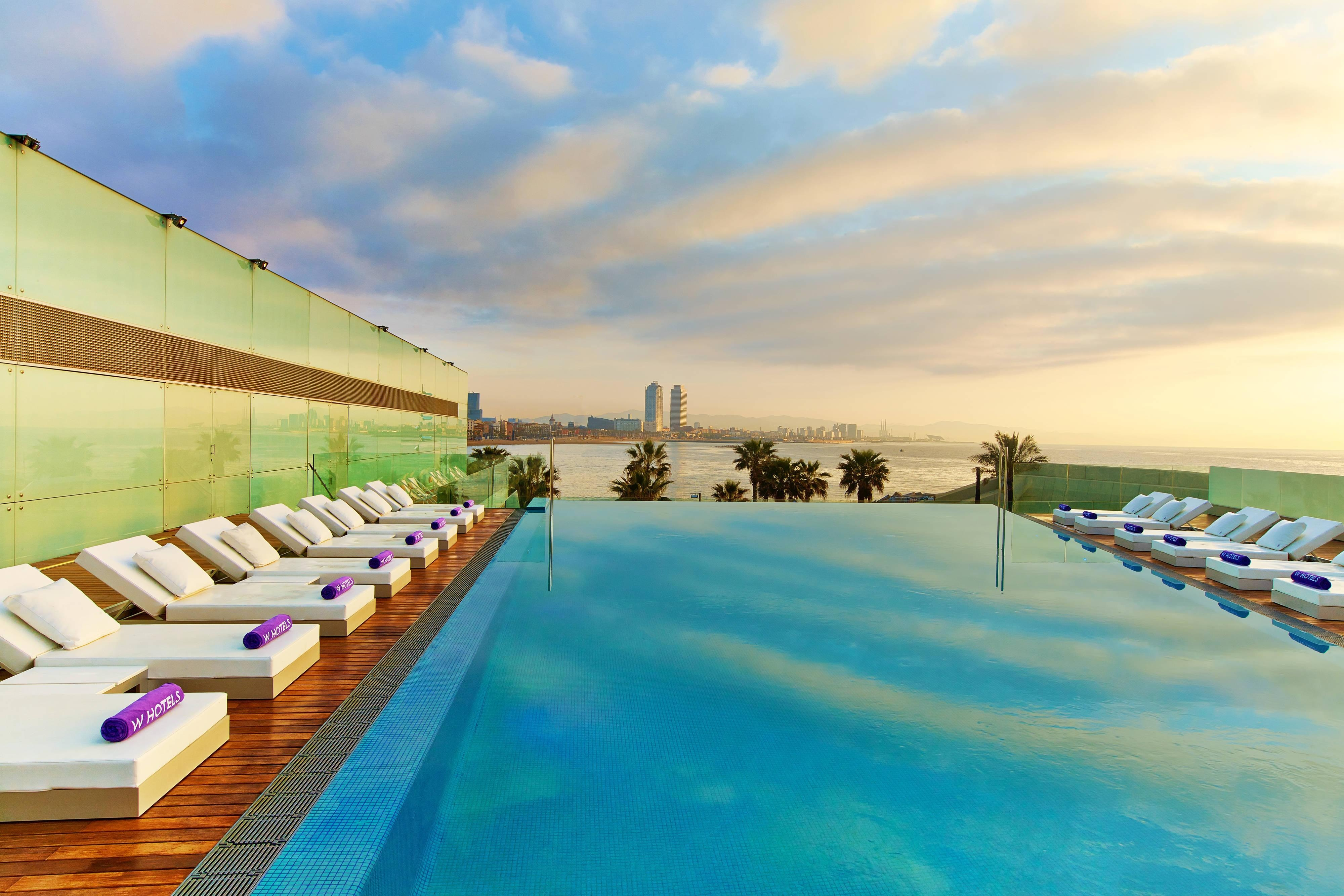 Luxury boutique hotel in barcelona w barcelona for Design hotel w barcelona