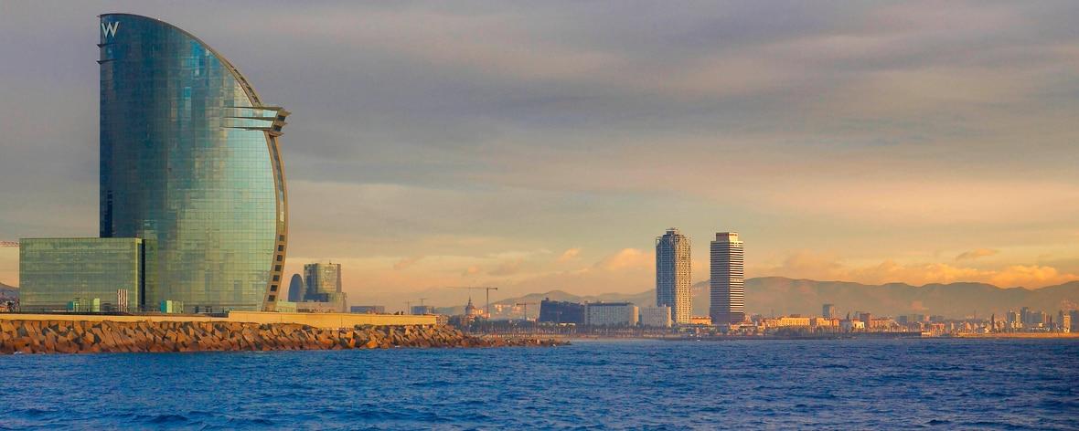 地中海の眺望と外観