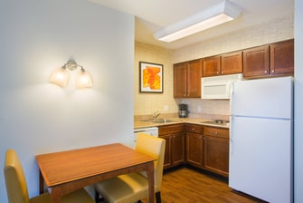 Rocky Hill Suites with Kitchens