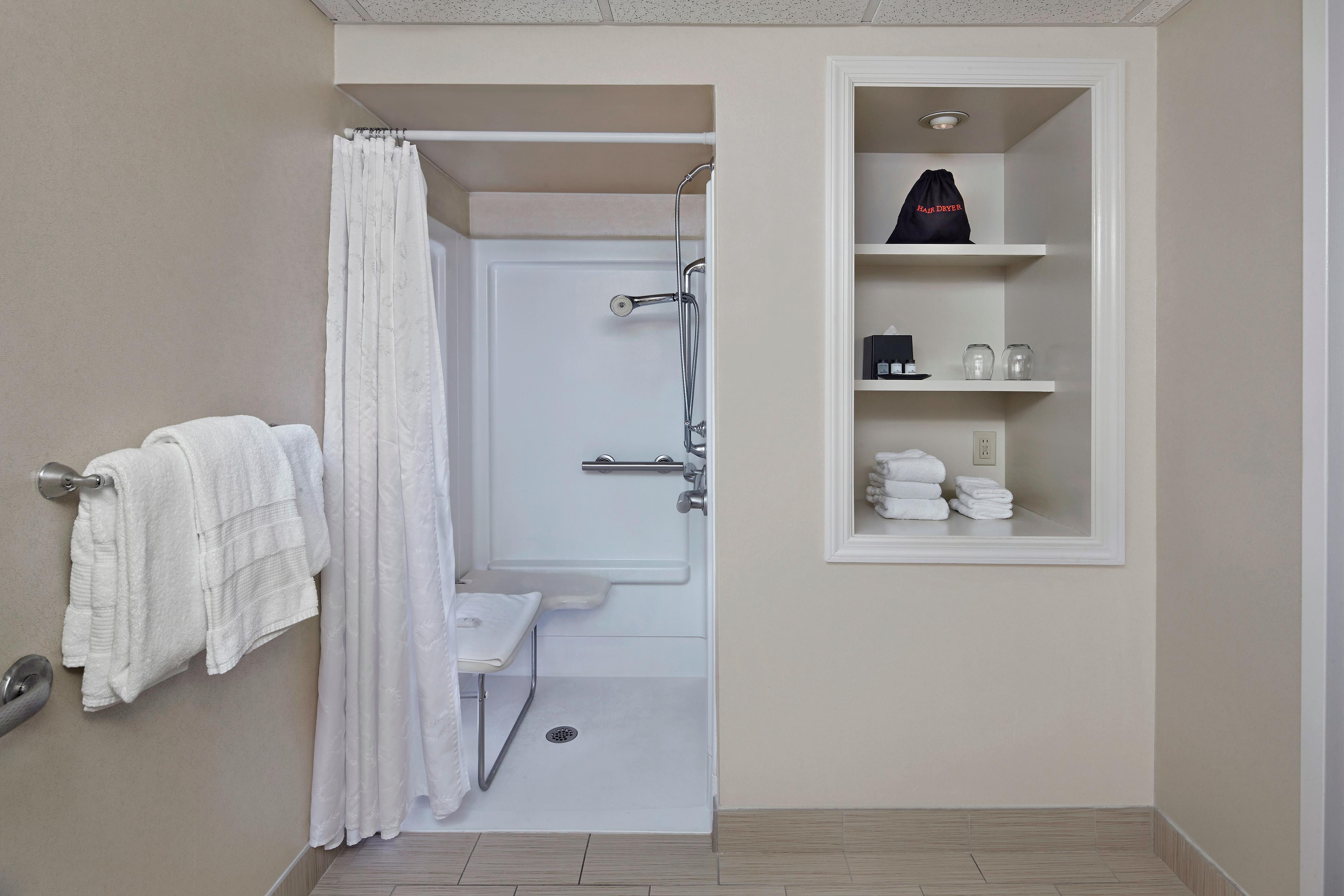 Baño accesible para personas con necesidades especiales