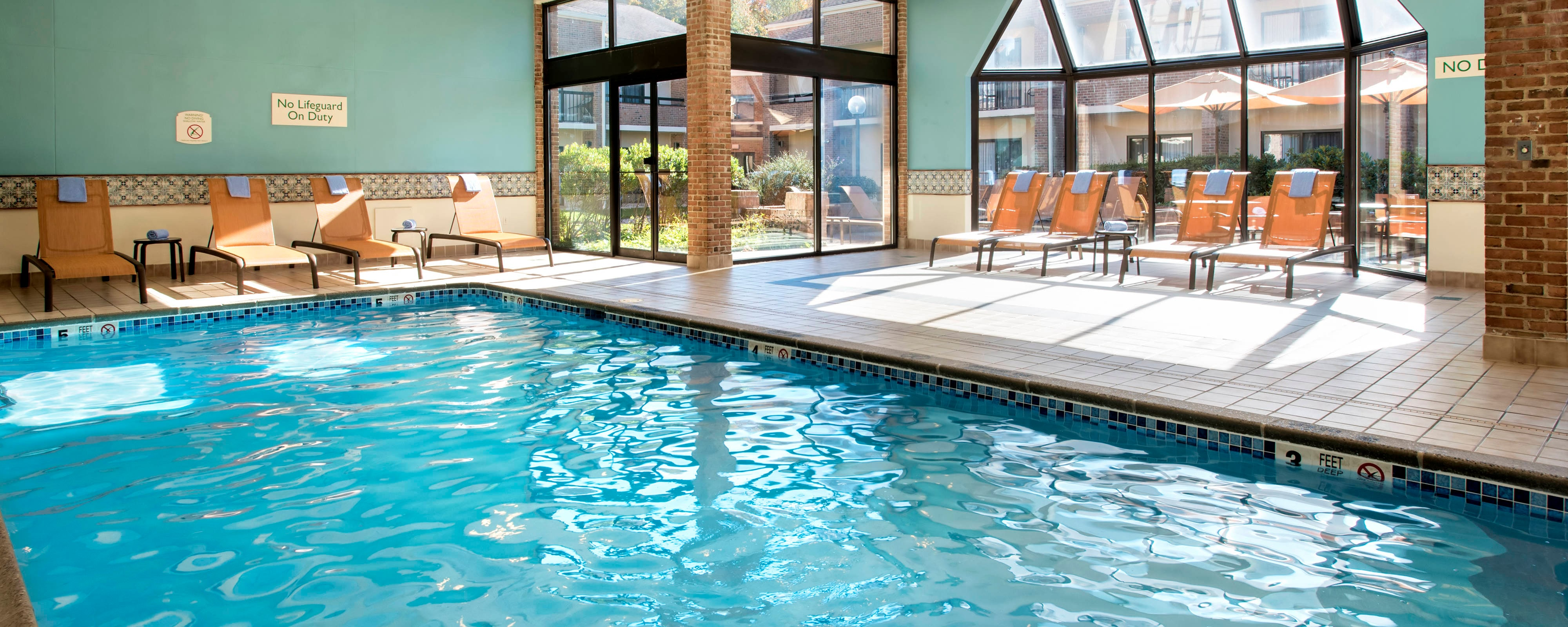 Windsor CT hotels with pool