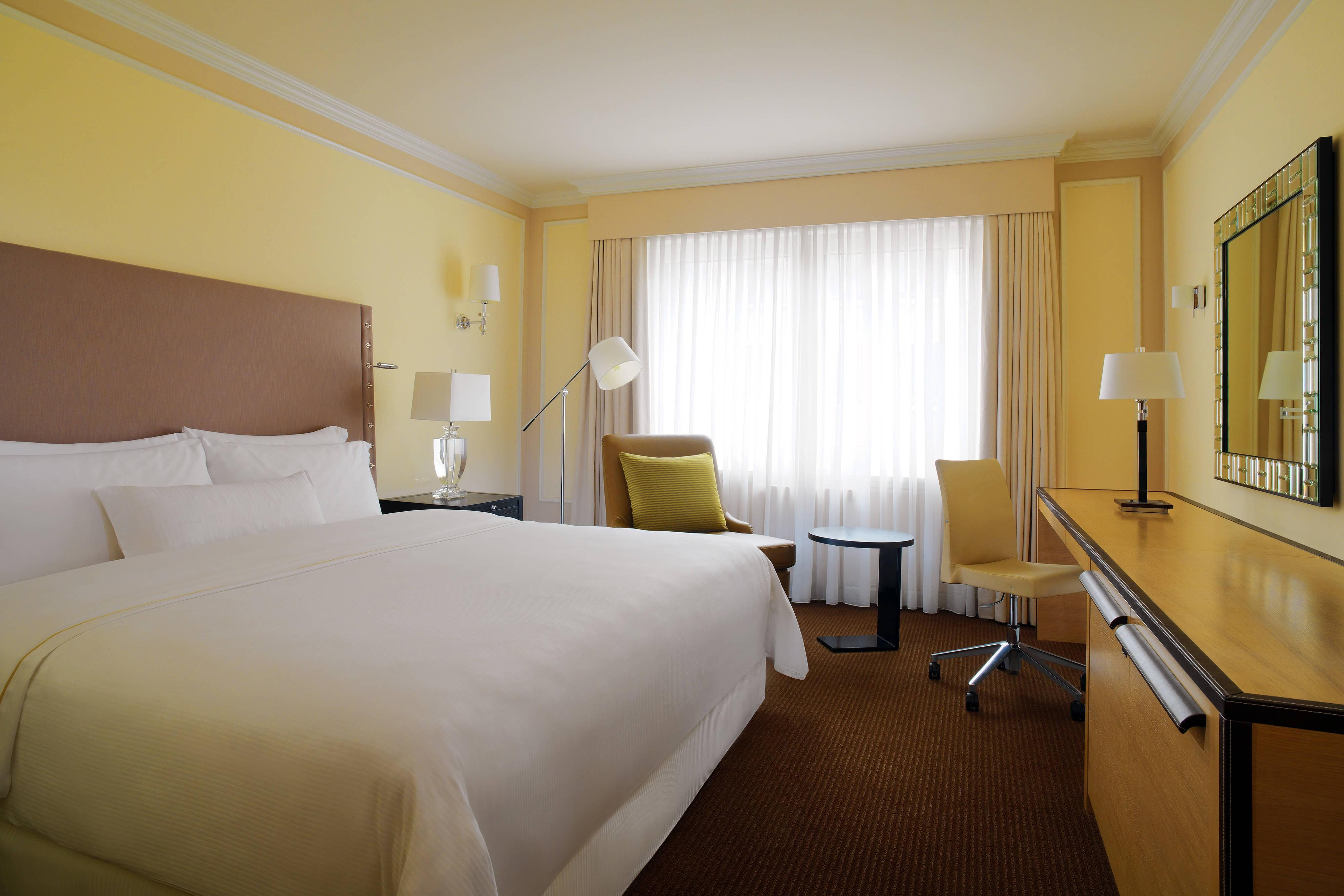 Your accomodation in Berlin - Deluxe room at the Westin Grand