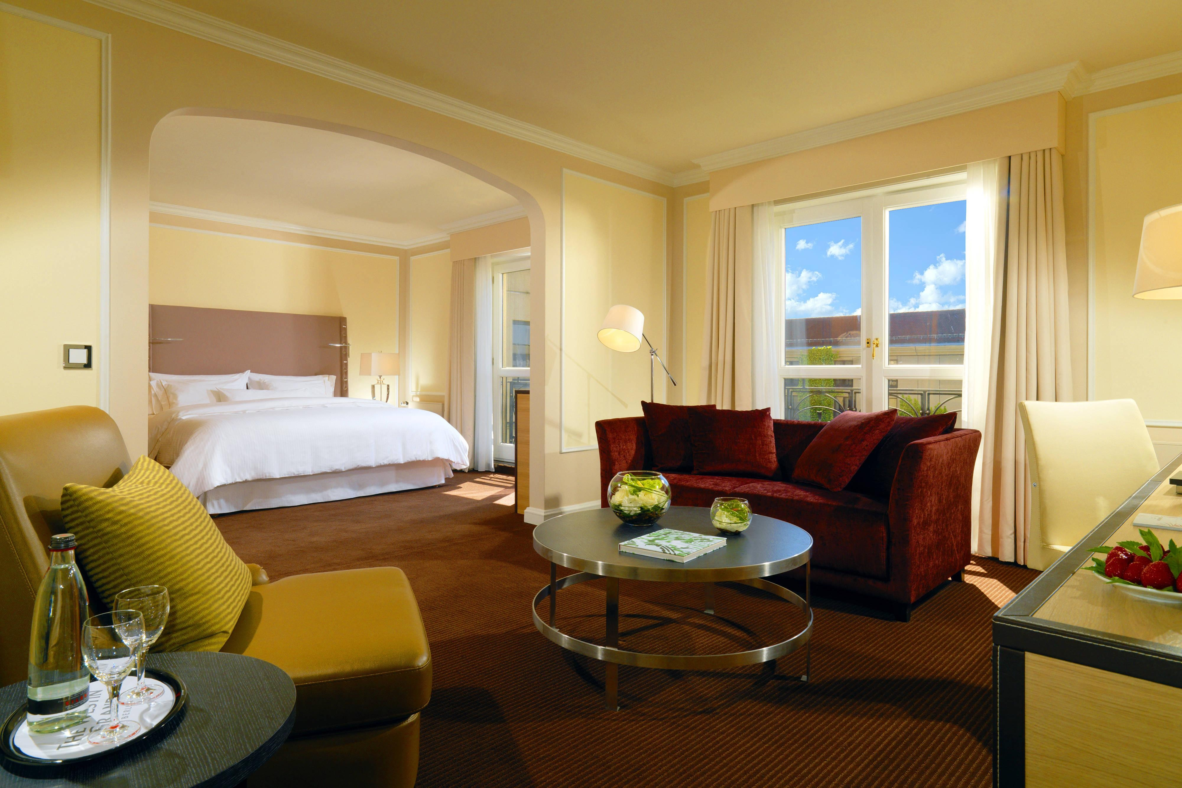 Your suite in Berlin - Junior Suite at The Westin Grand hotel