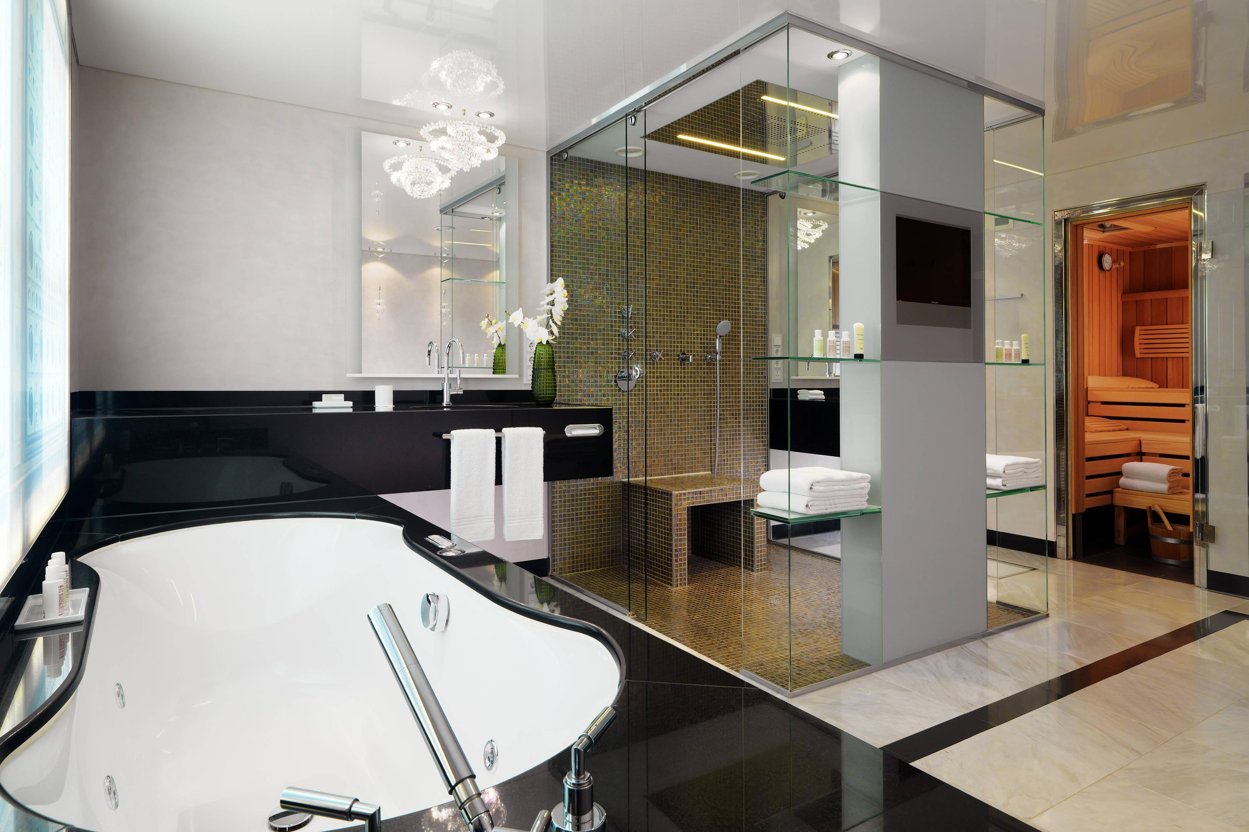Spacious spa bathroom at the Grand Spa Suite in Berlin