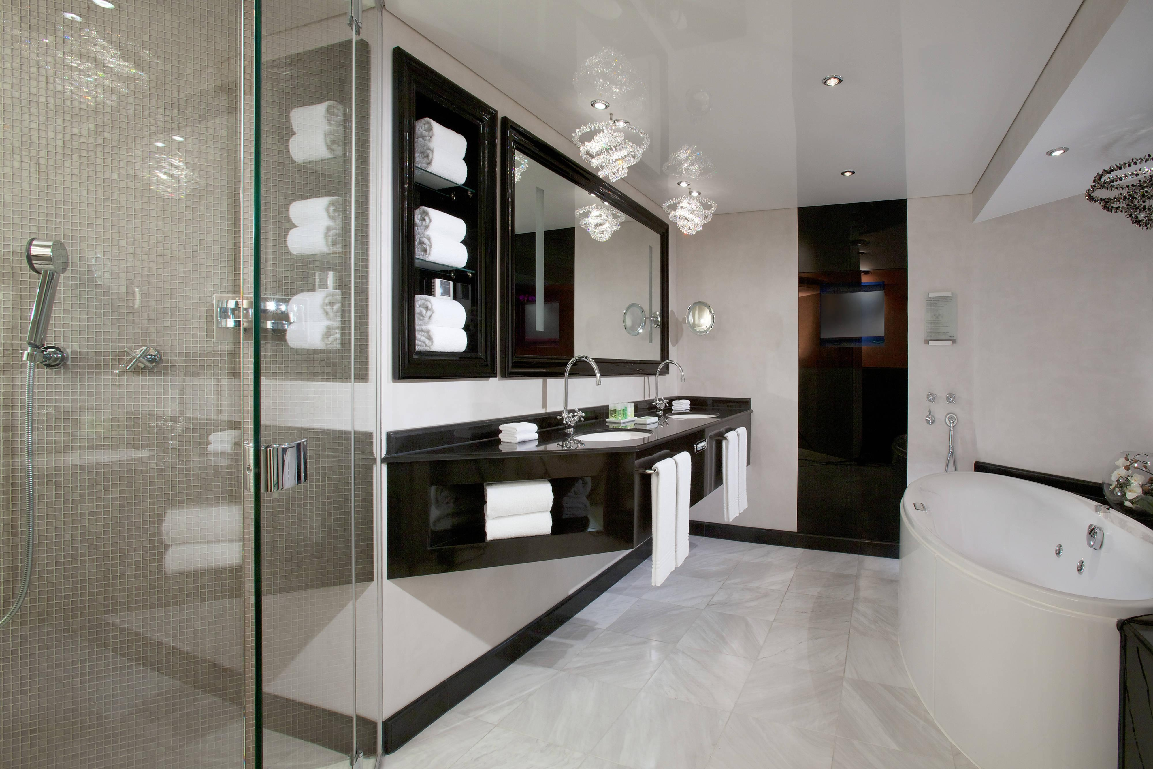 Spacious bathroom of the Presidential suite at The Westin Grand hotel Berlin
