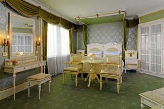 Bedroom of the Presidential suite in Berlin