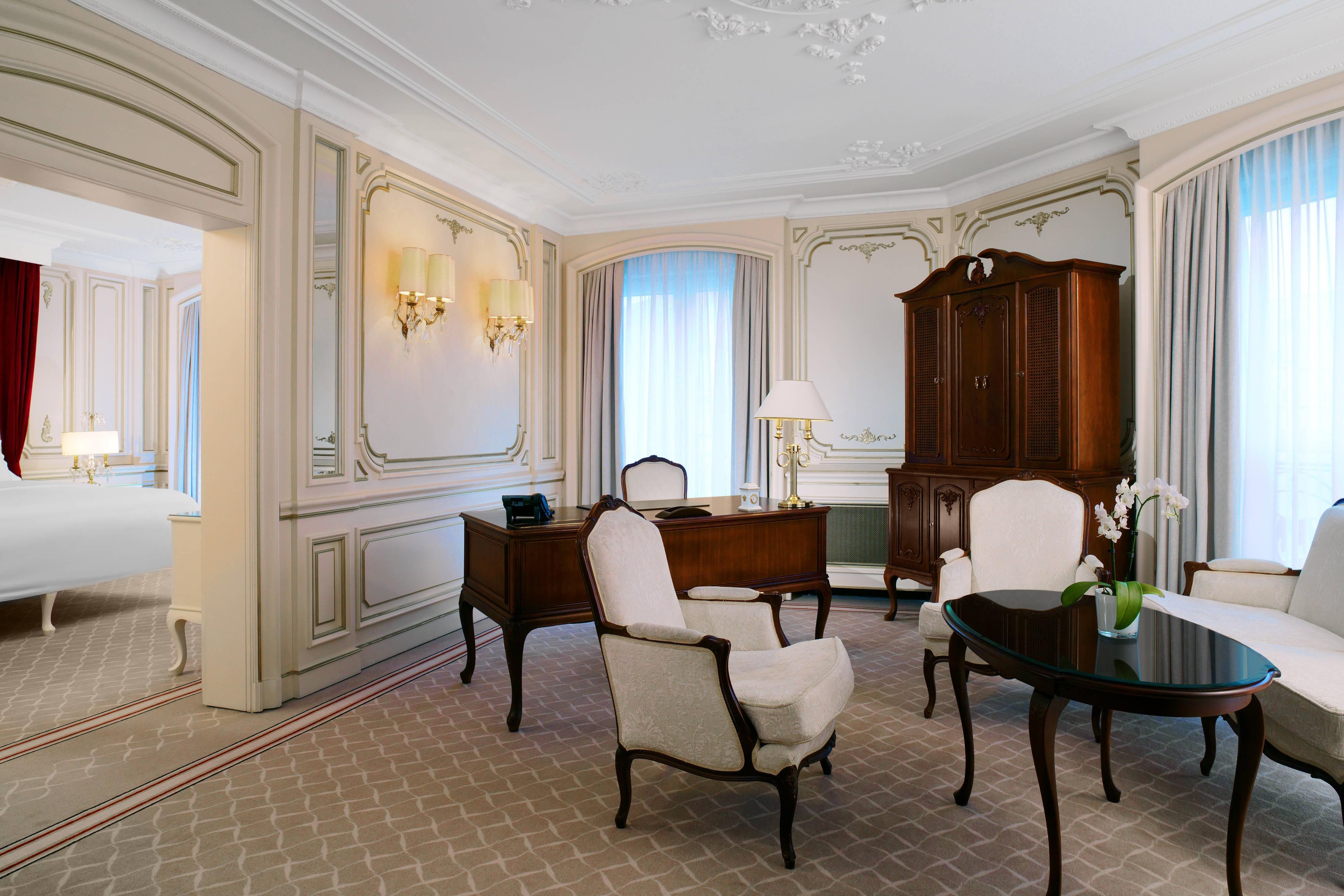 Living room of the Themed Suite Sanssouci at The Westin hotel Berlin