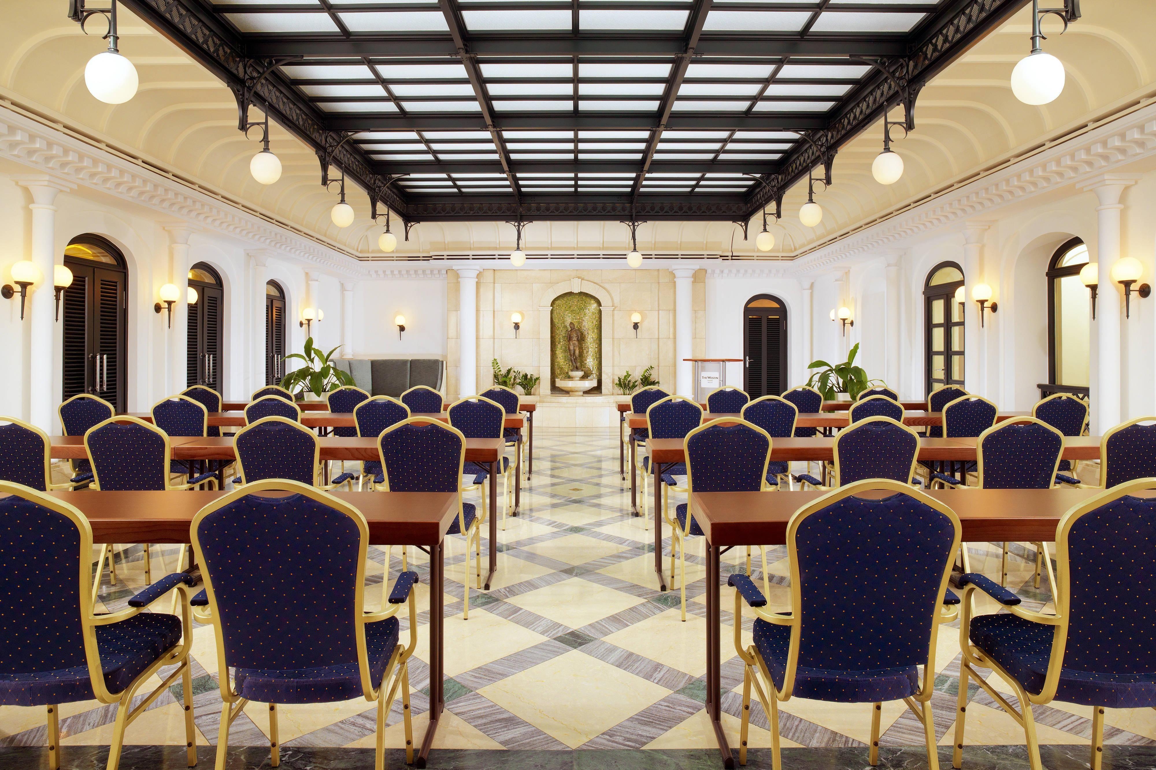 Wintergarten Meeting Room