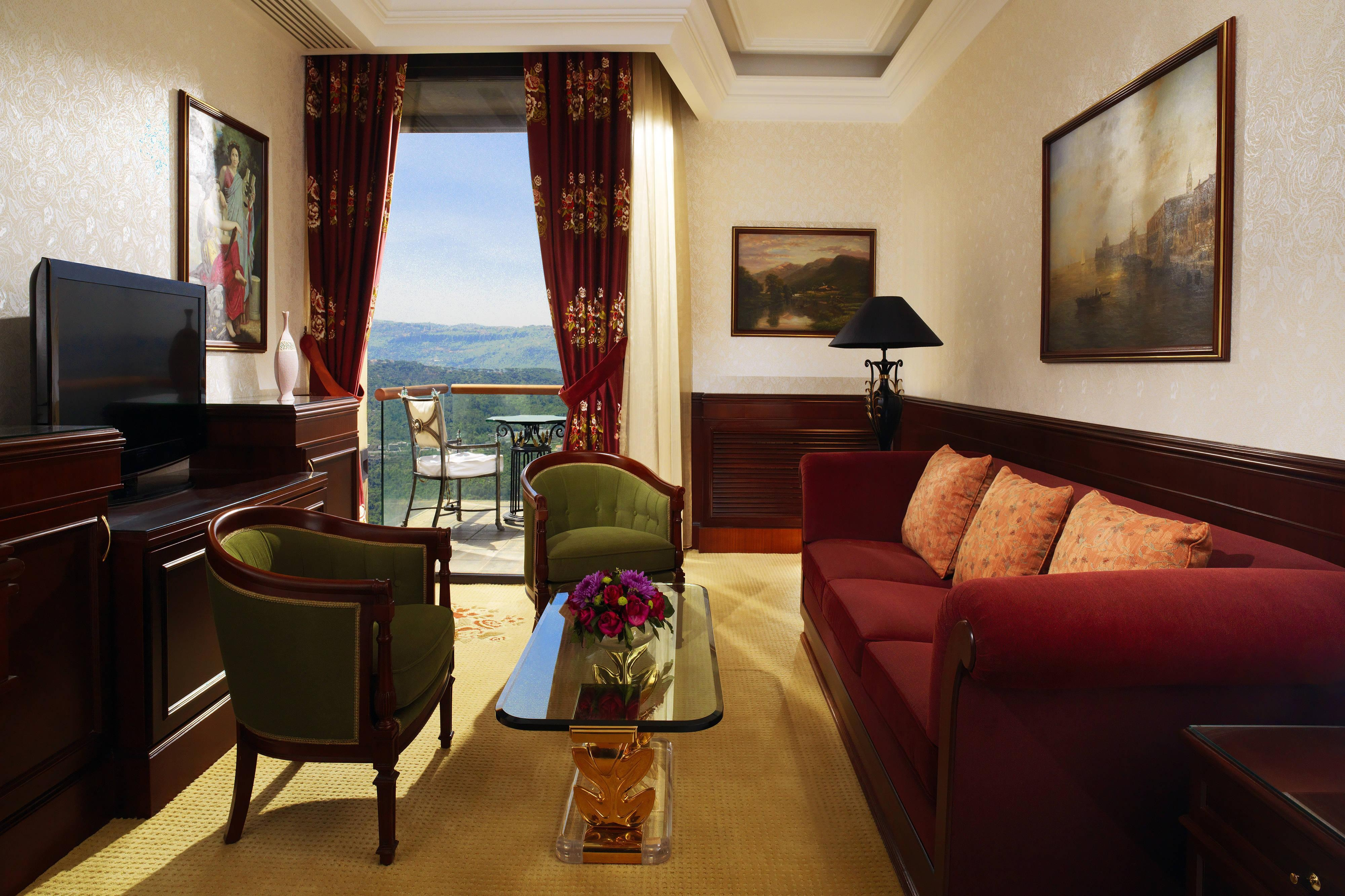 Grand Hills Suite - Living Room