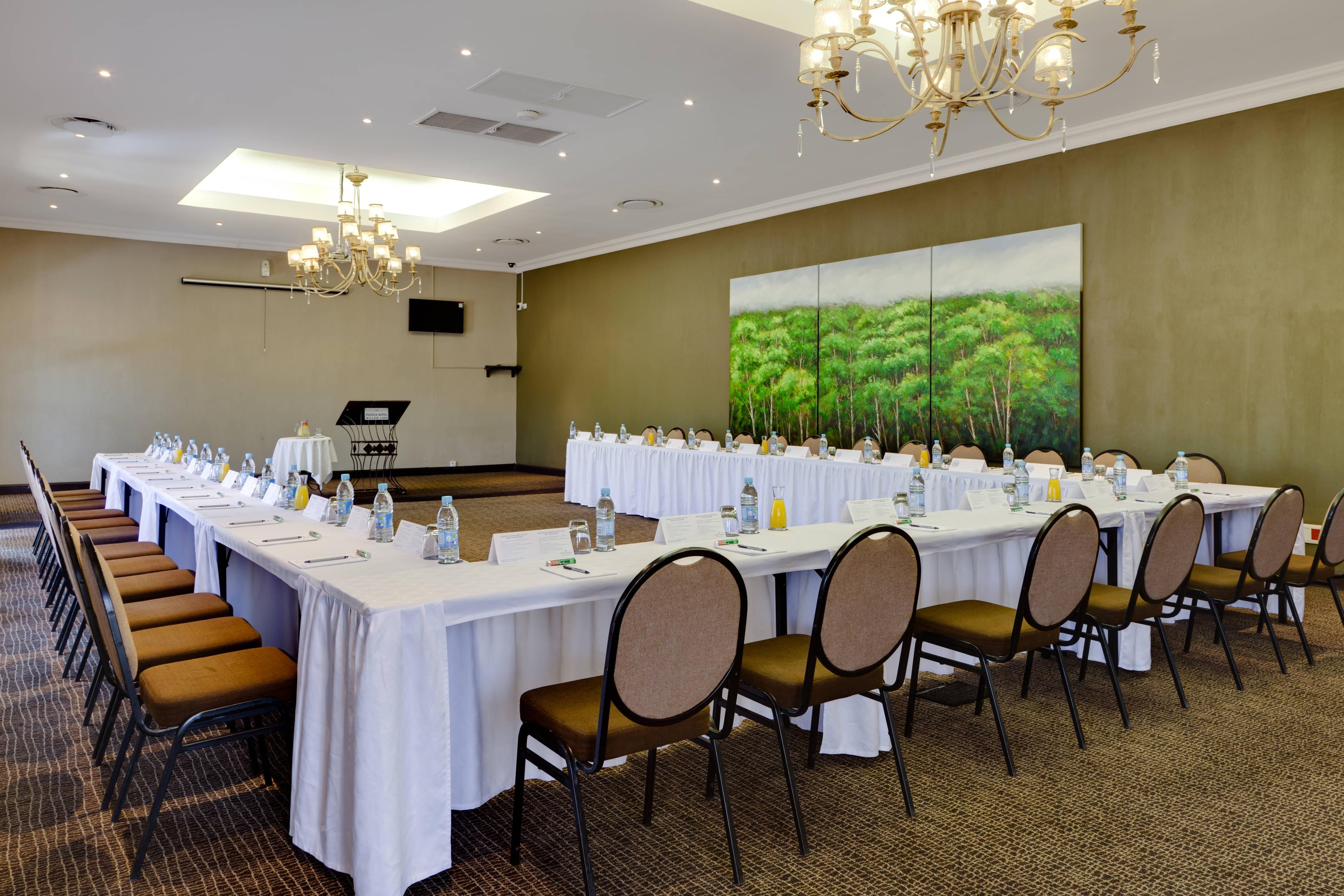 Thandora Conference Room - U-Shape Setup