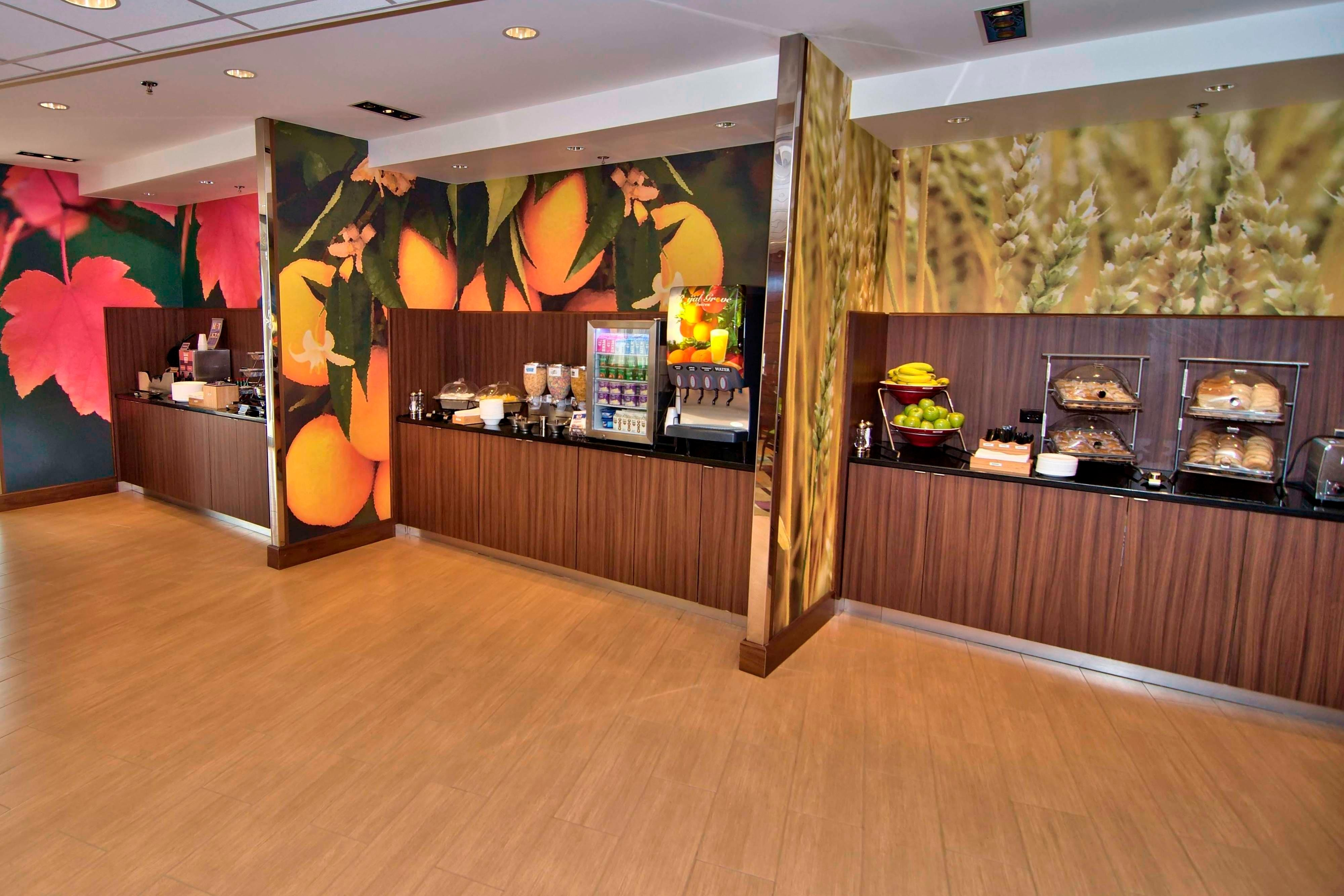 Towanda hotel breakfast buffet