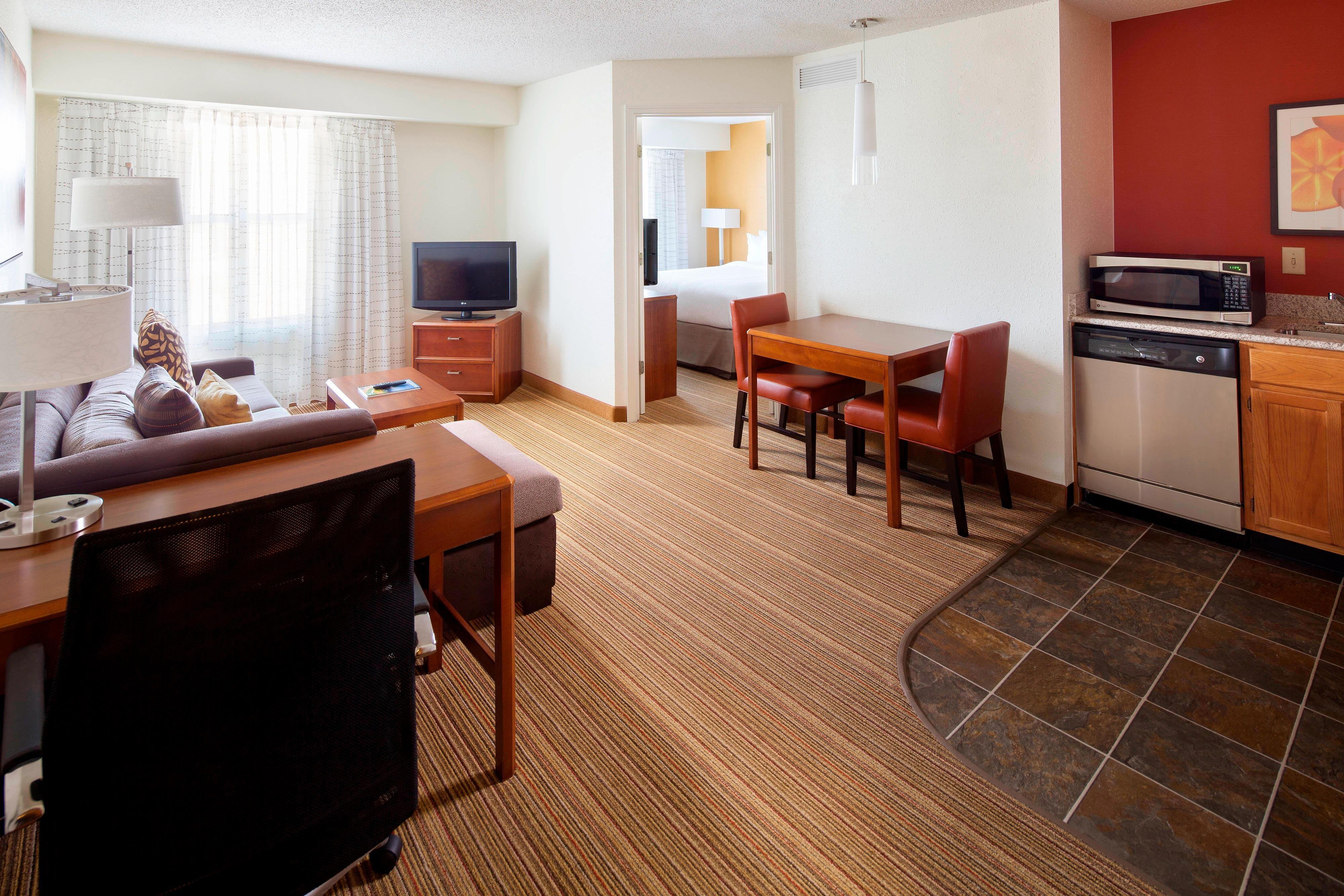 One Bedroom Suite in Extended Stay Birmingham Homewood hotel