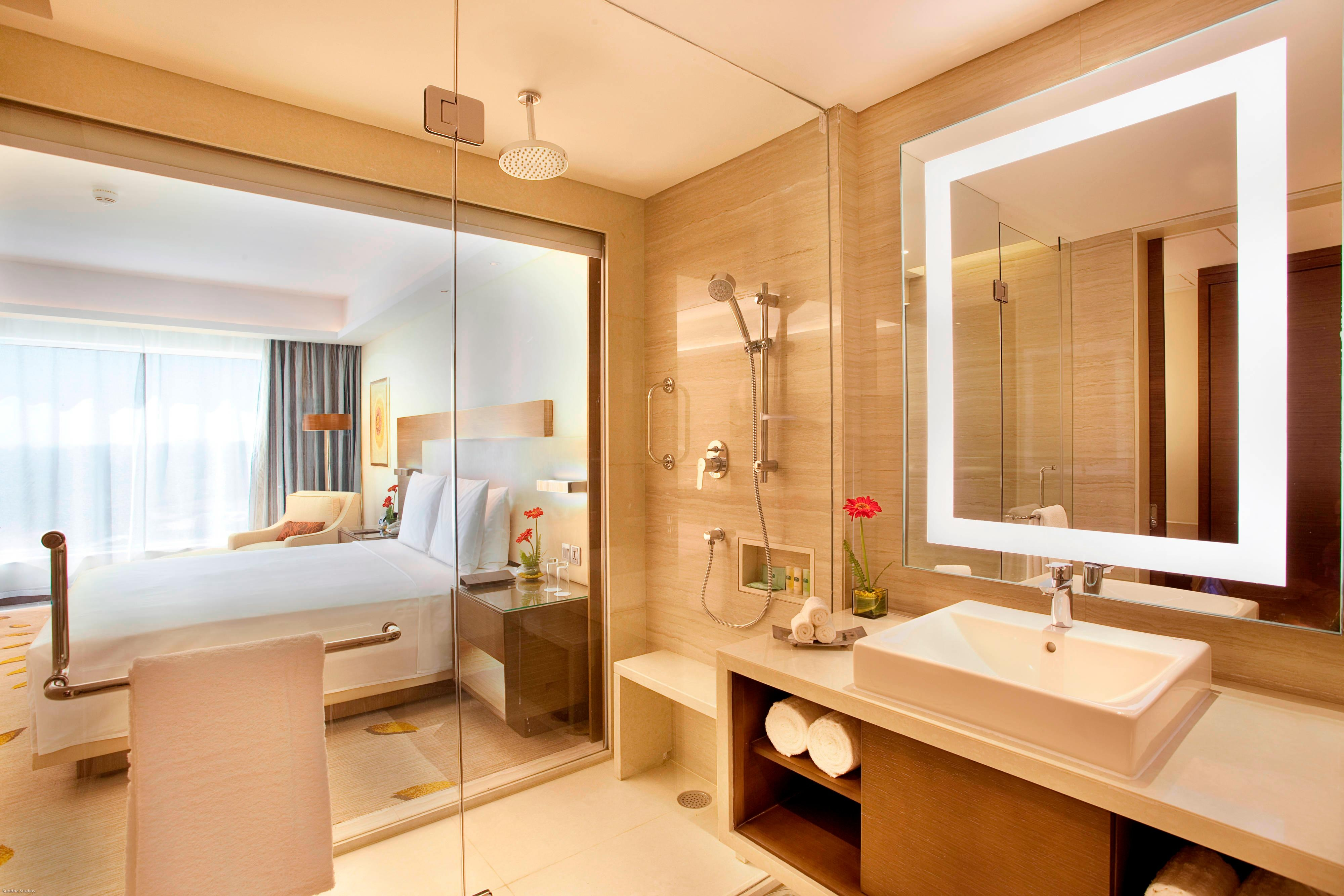 Deluxe king room in Bhopal