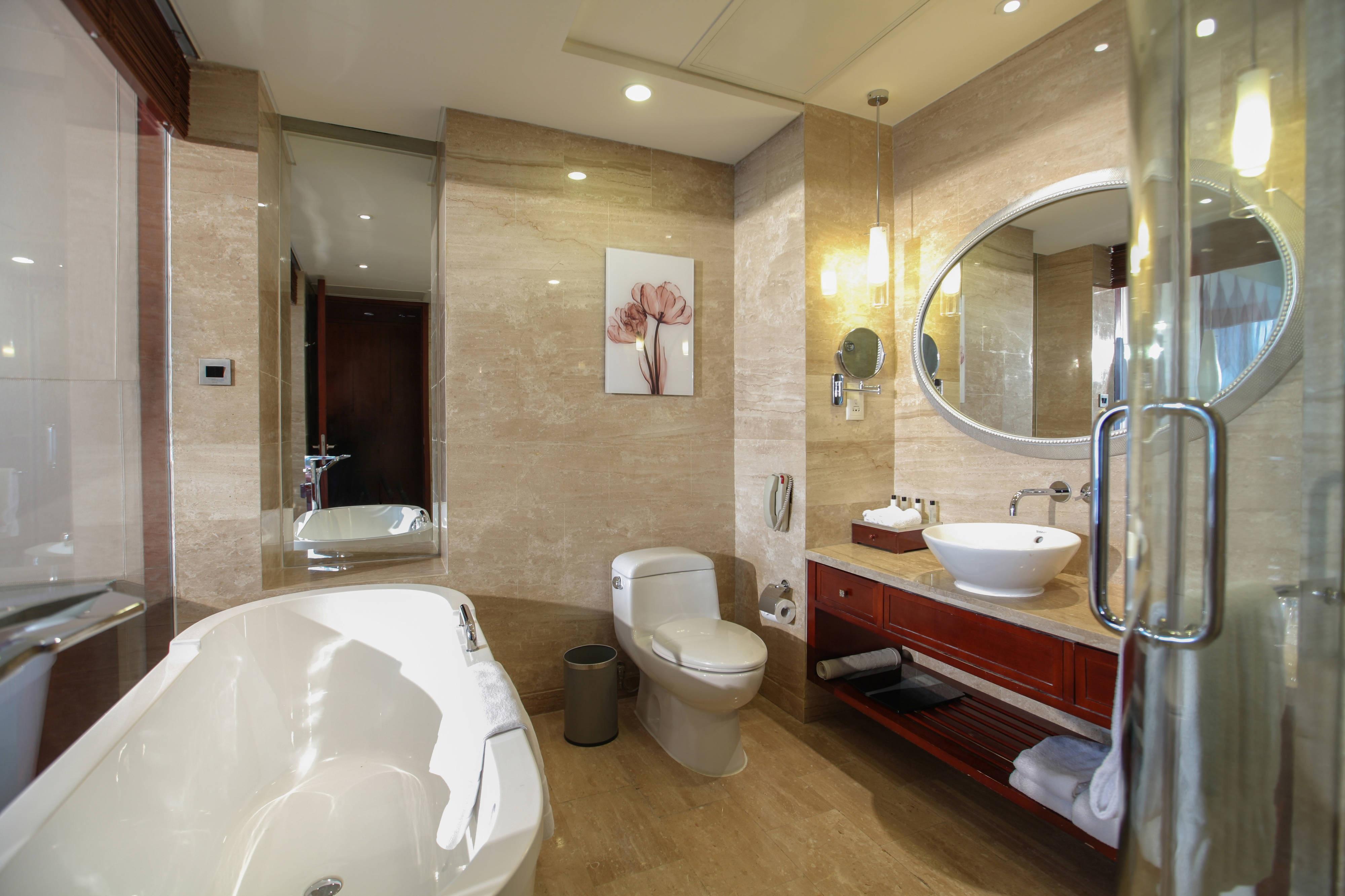 Salle de bains d'une chambre haut-de-gamme