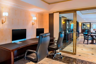 Business Lounge Working Area