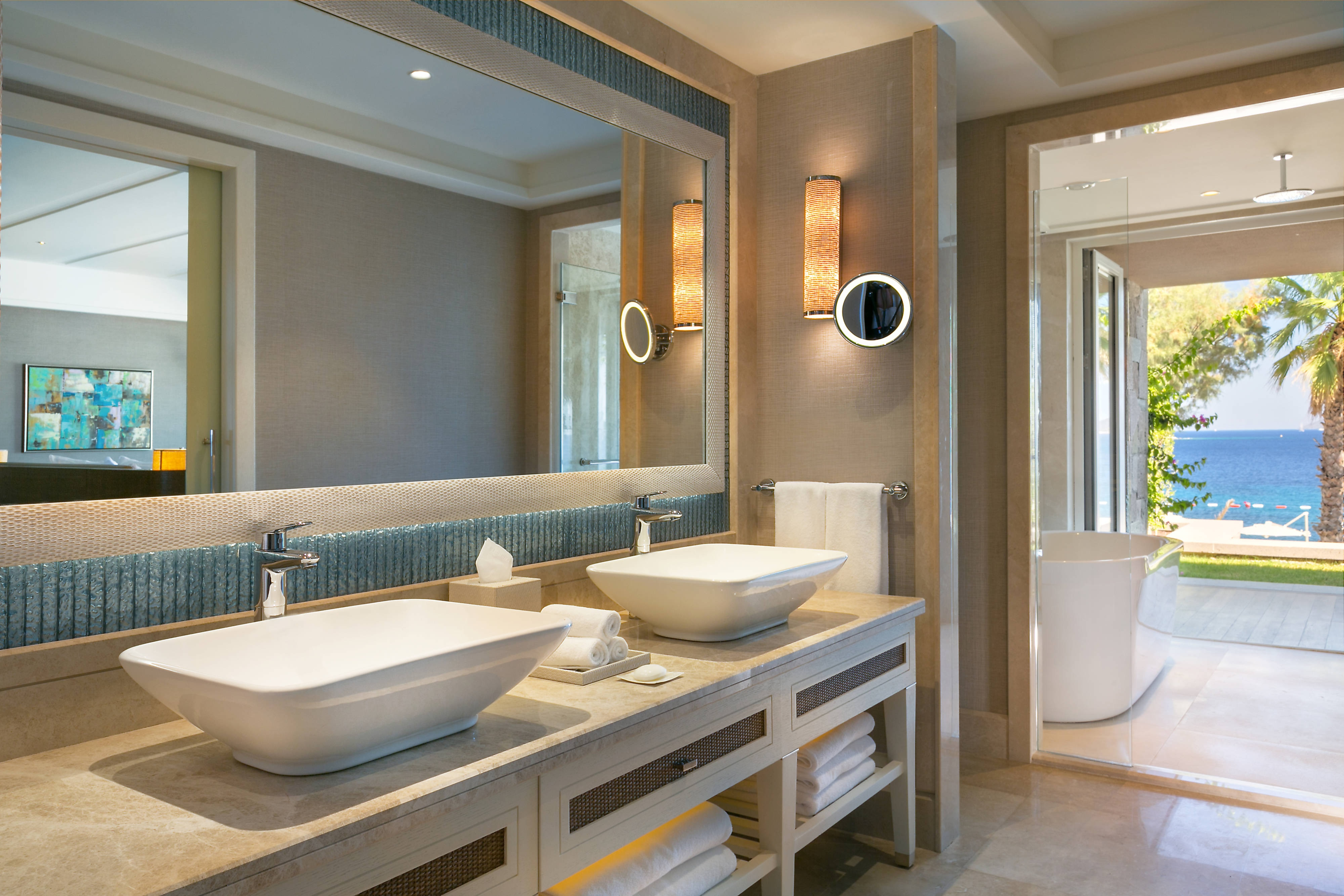 Deluxe Marine Suite - Bathroom