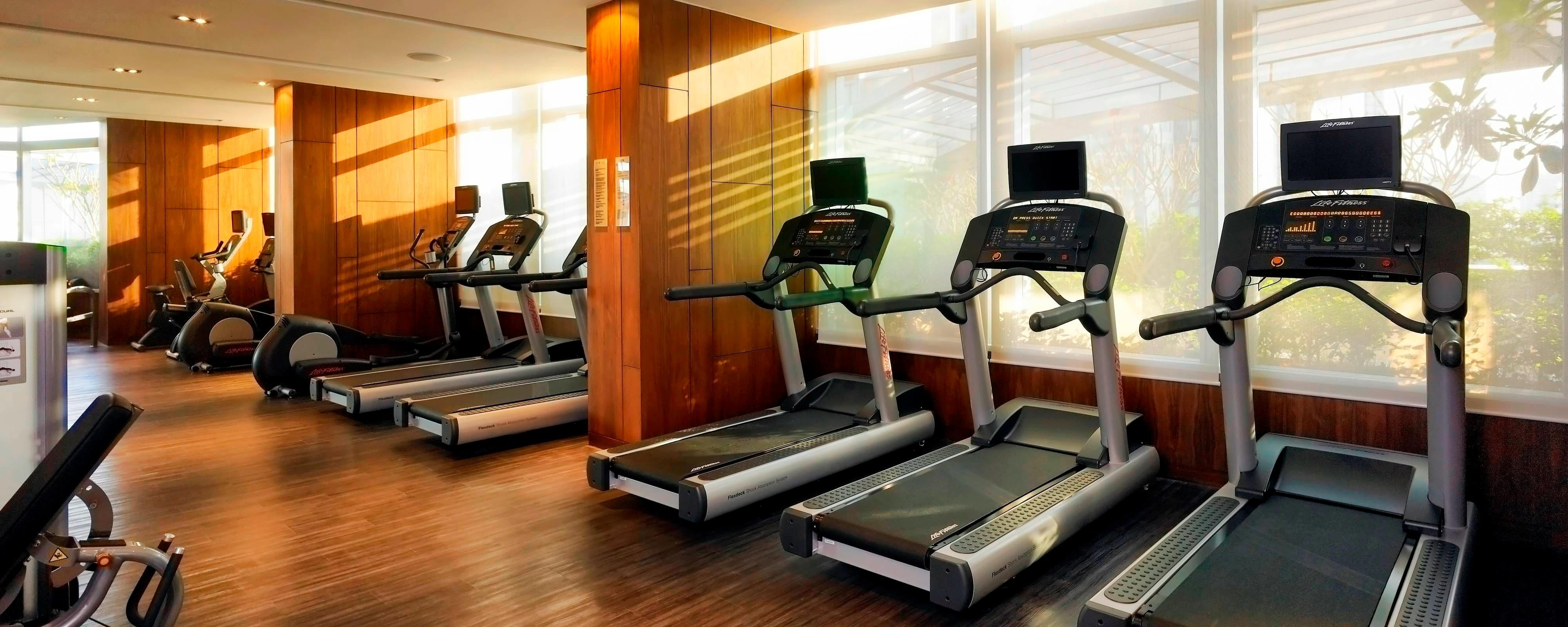 Hotel Gym In Bangkok - Recreation Activities At The Marriott