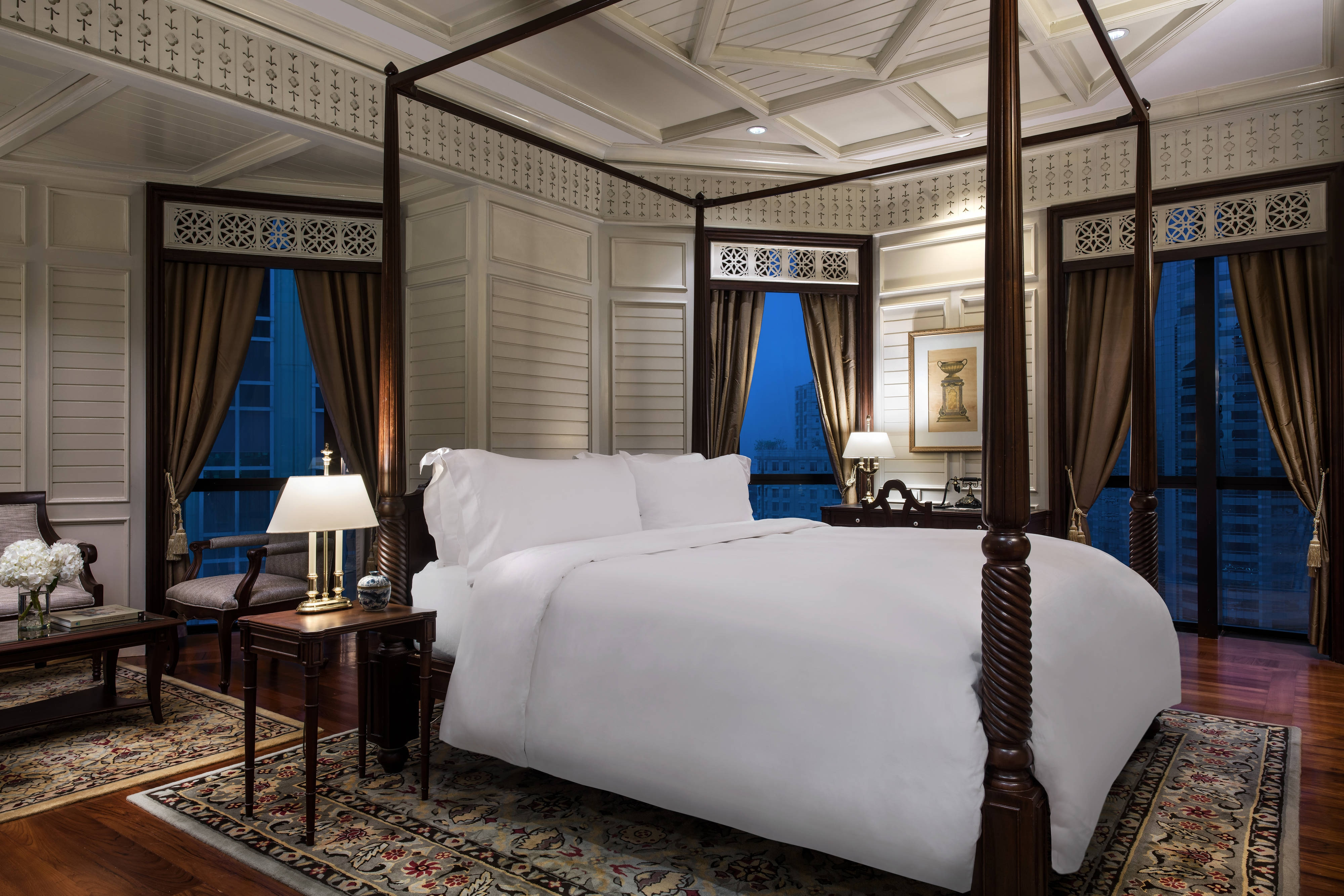 Vimarm Siam Royal Bedroom themed Suite