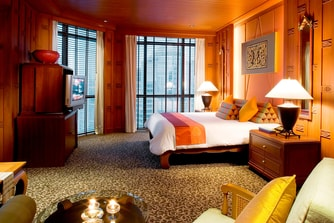 Ruern Thai Themed Suite - Master Bedroom