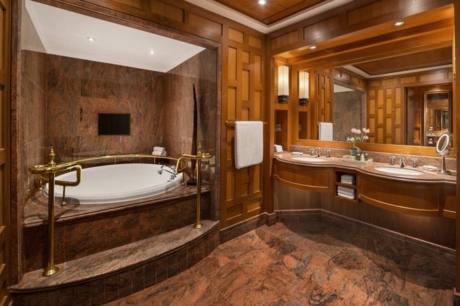 Ratchada Suite - Bathroom