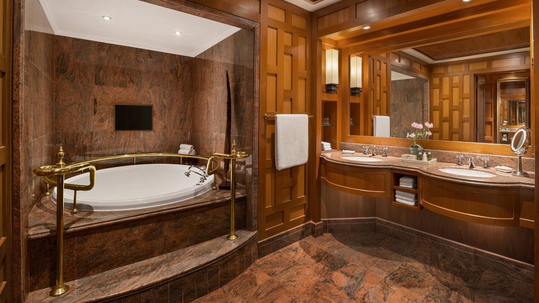 Ratchada Suite - Bathroom