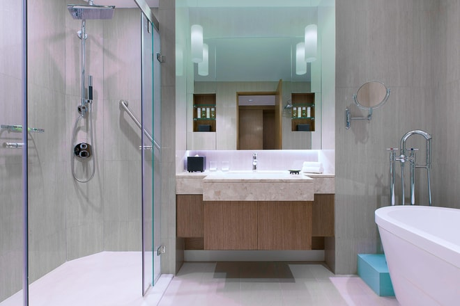 Breezy Suite - Bathroom