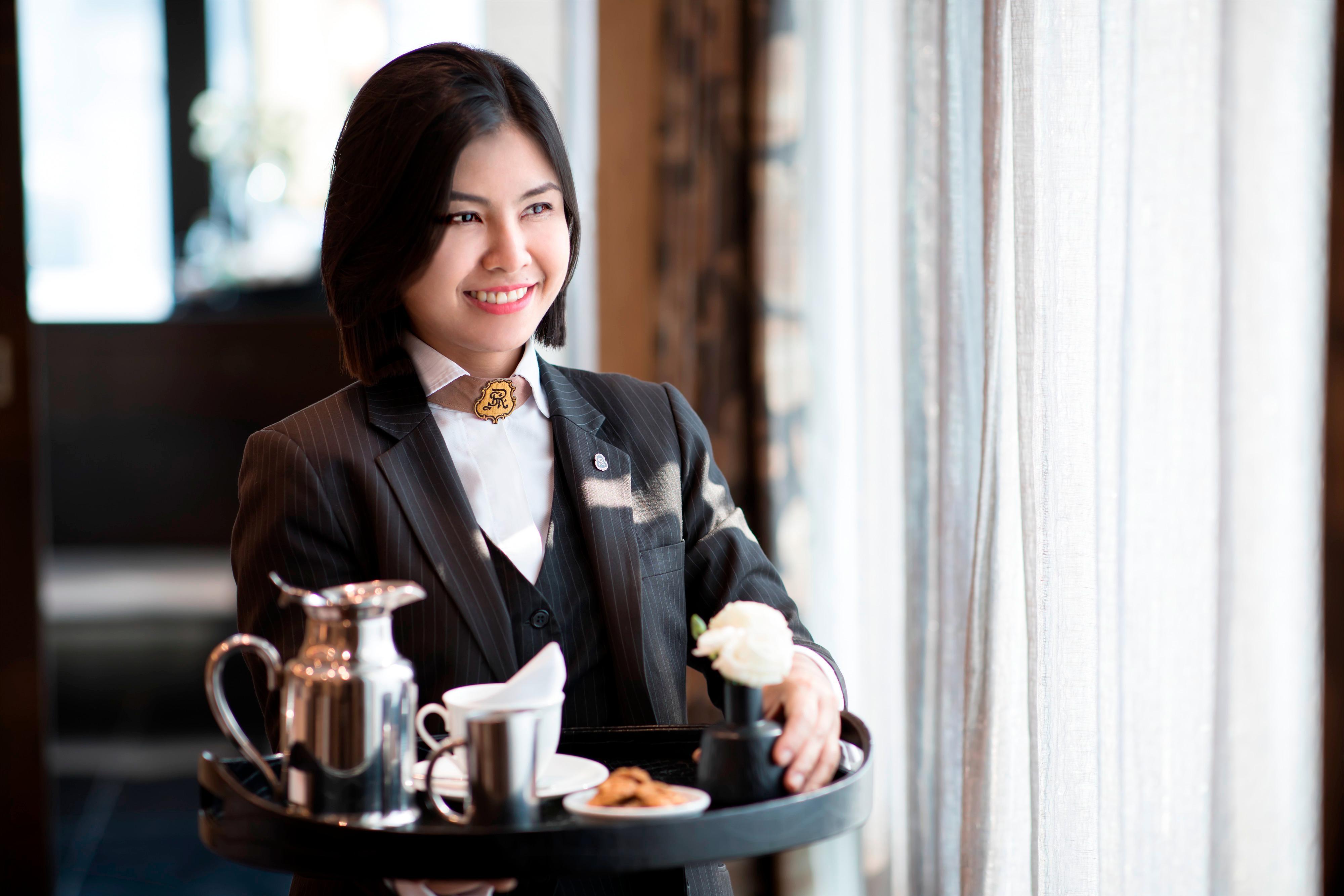 Butler Service Tea