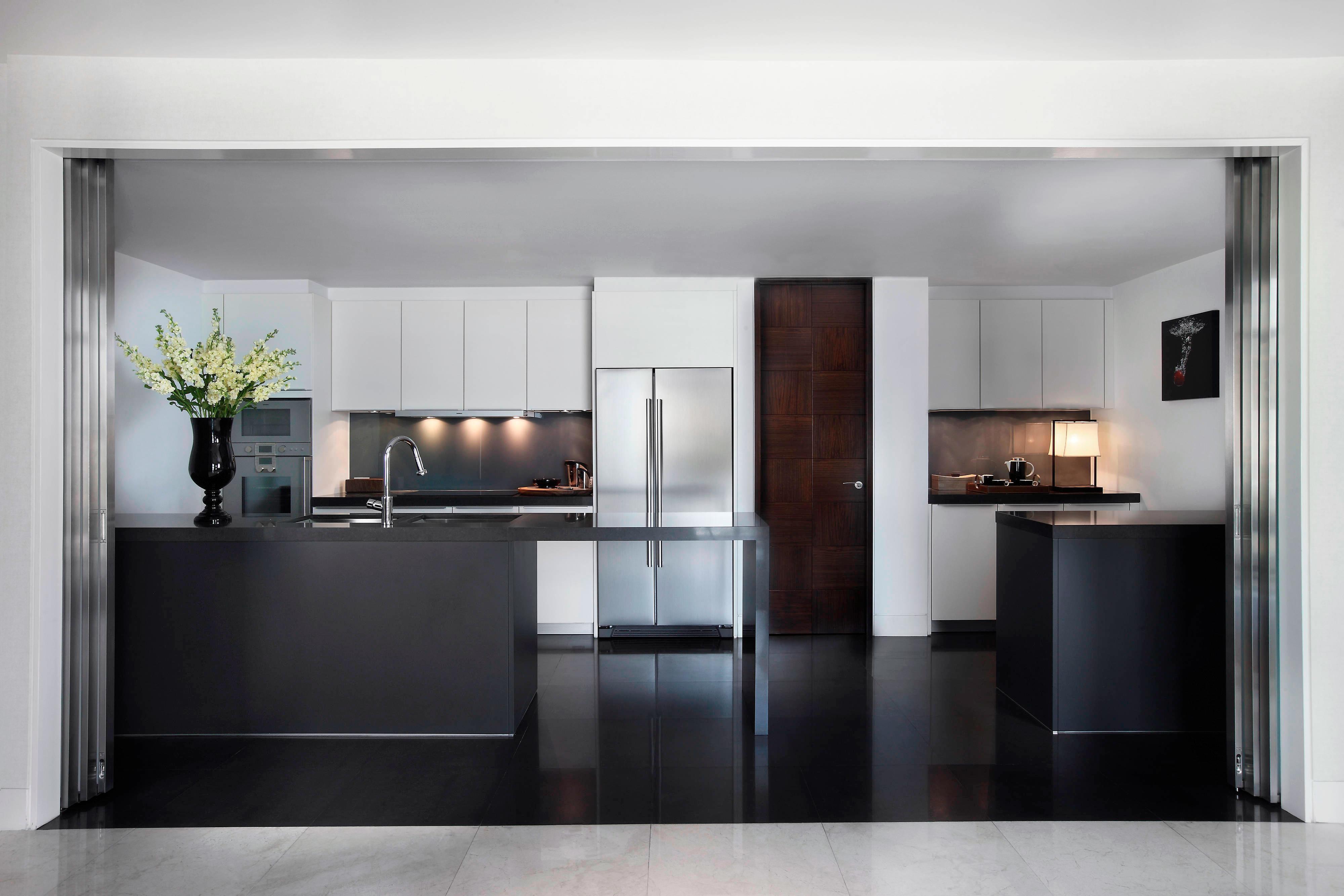St. Regis Residence - Kitchen