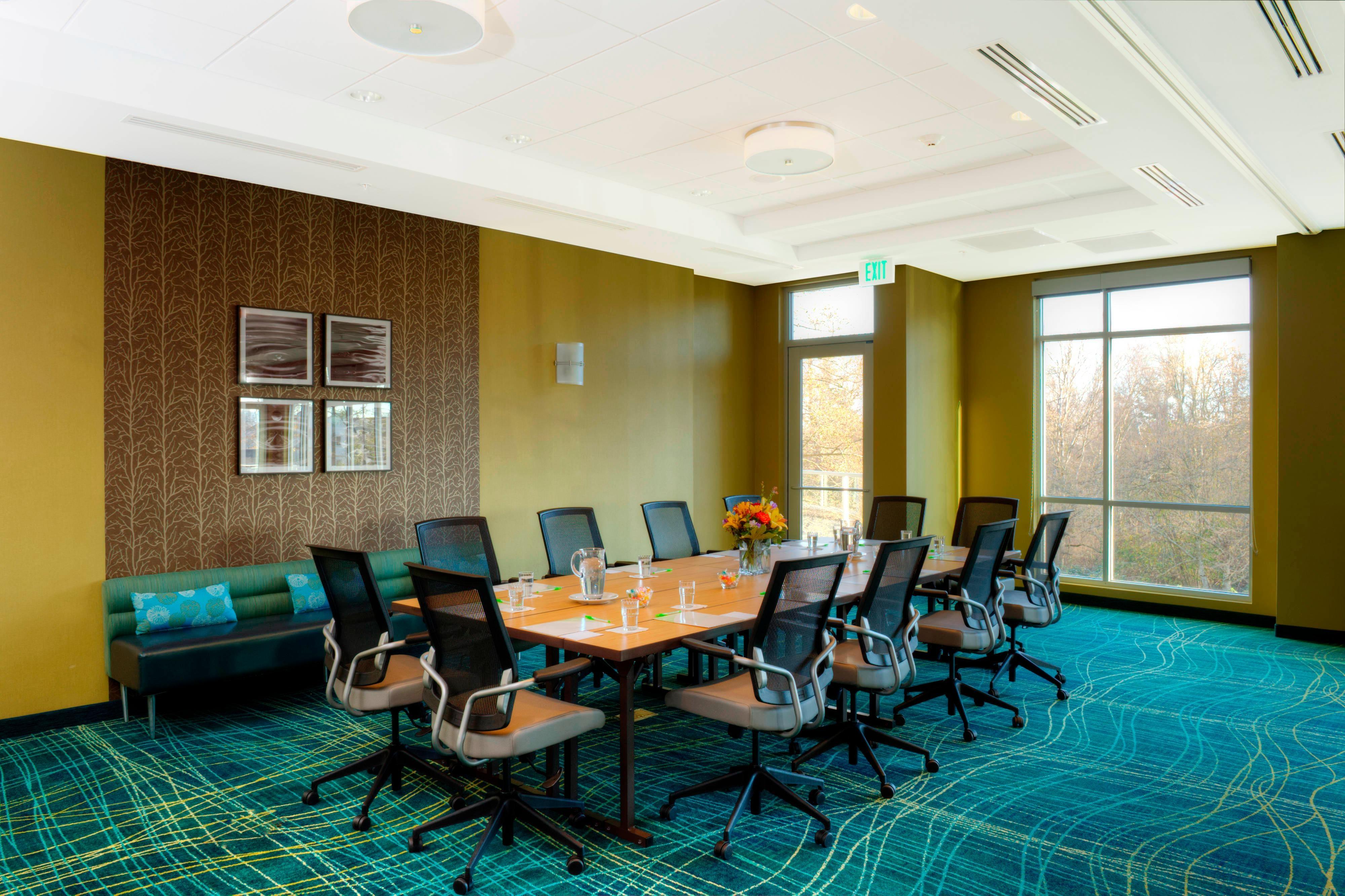 Bellingham Peace Arch Executive Boardroom