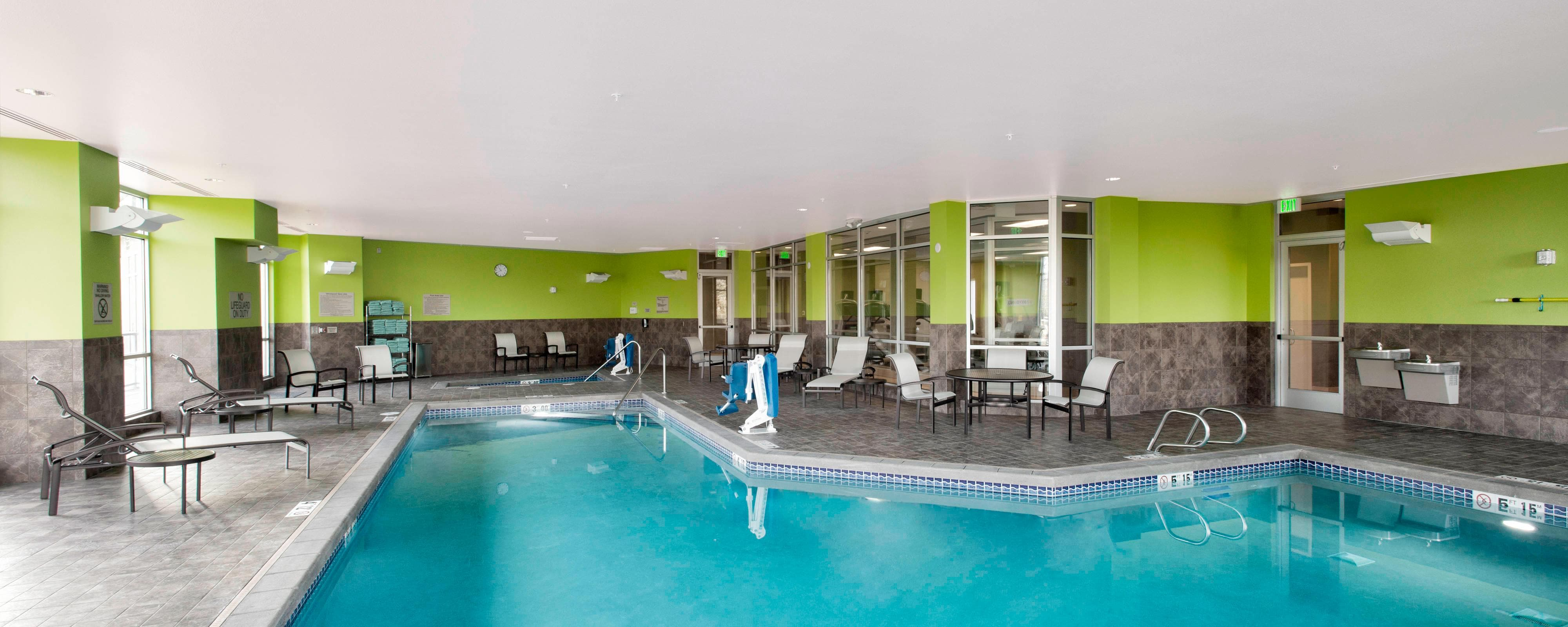 Bellingham hotel indoor pool