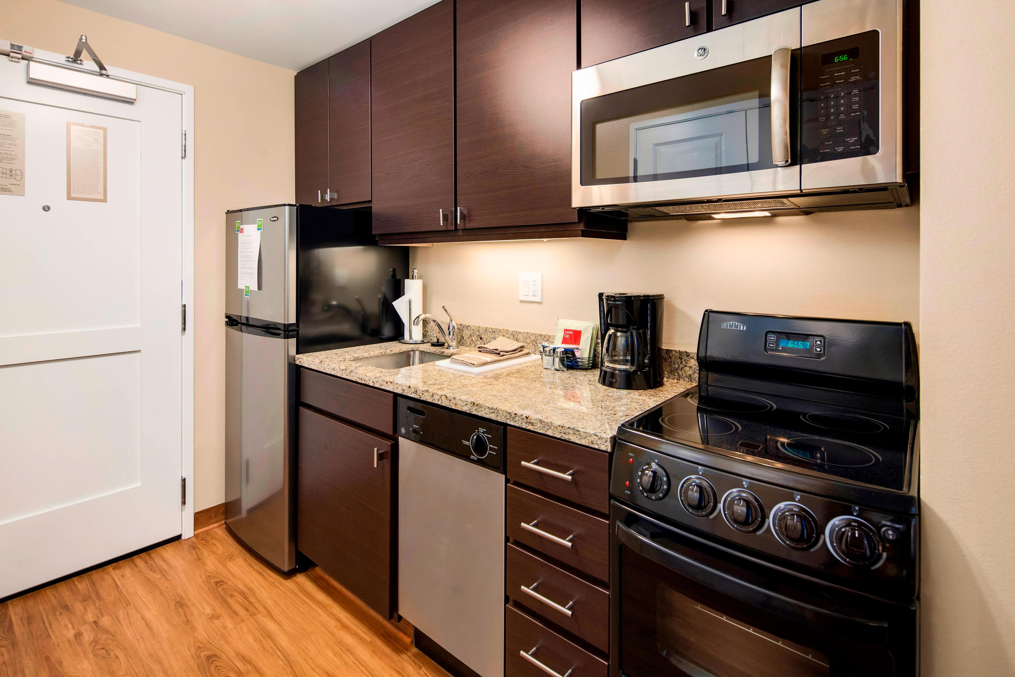 bellingham suites with kitchen