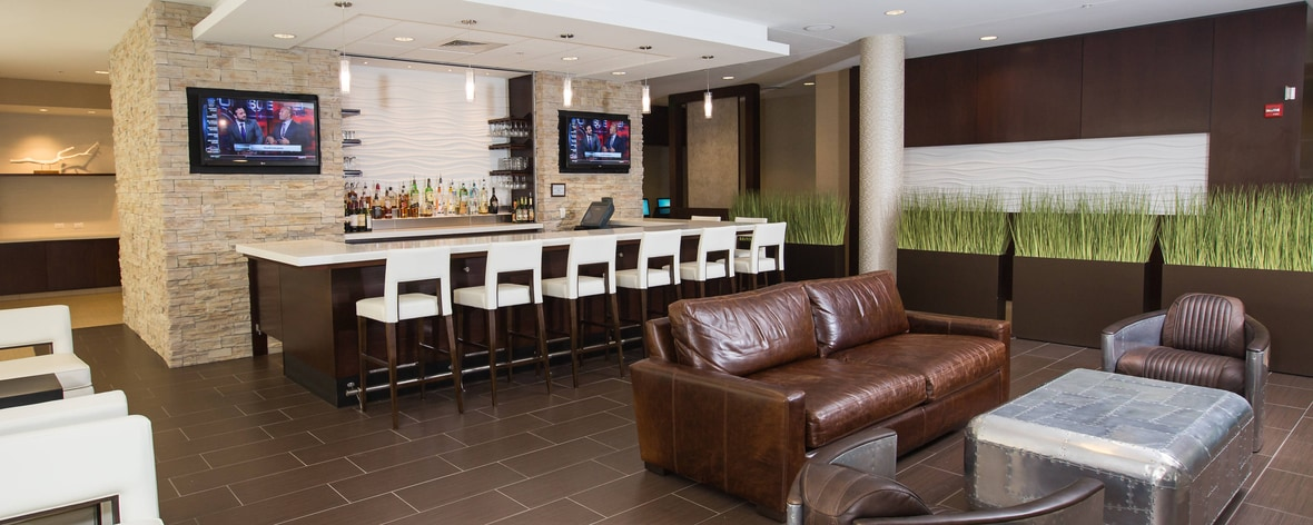 Bloomington IN Hotel with Bar