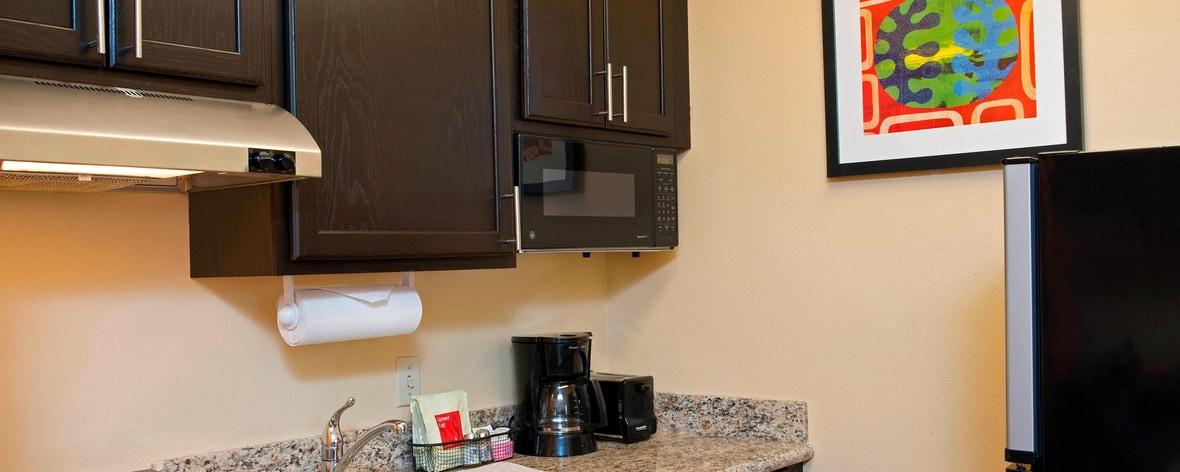 Kitchen at TownePlace Suites Bloomington IN