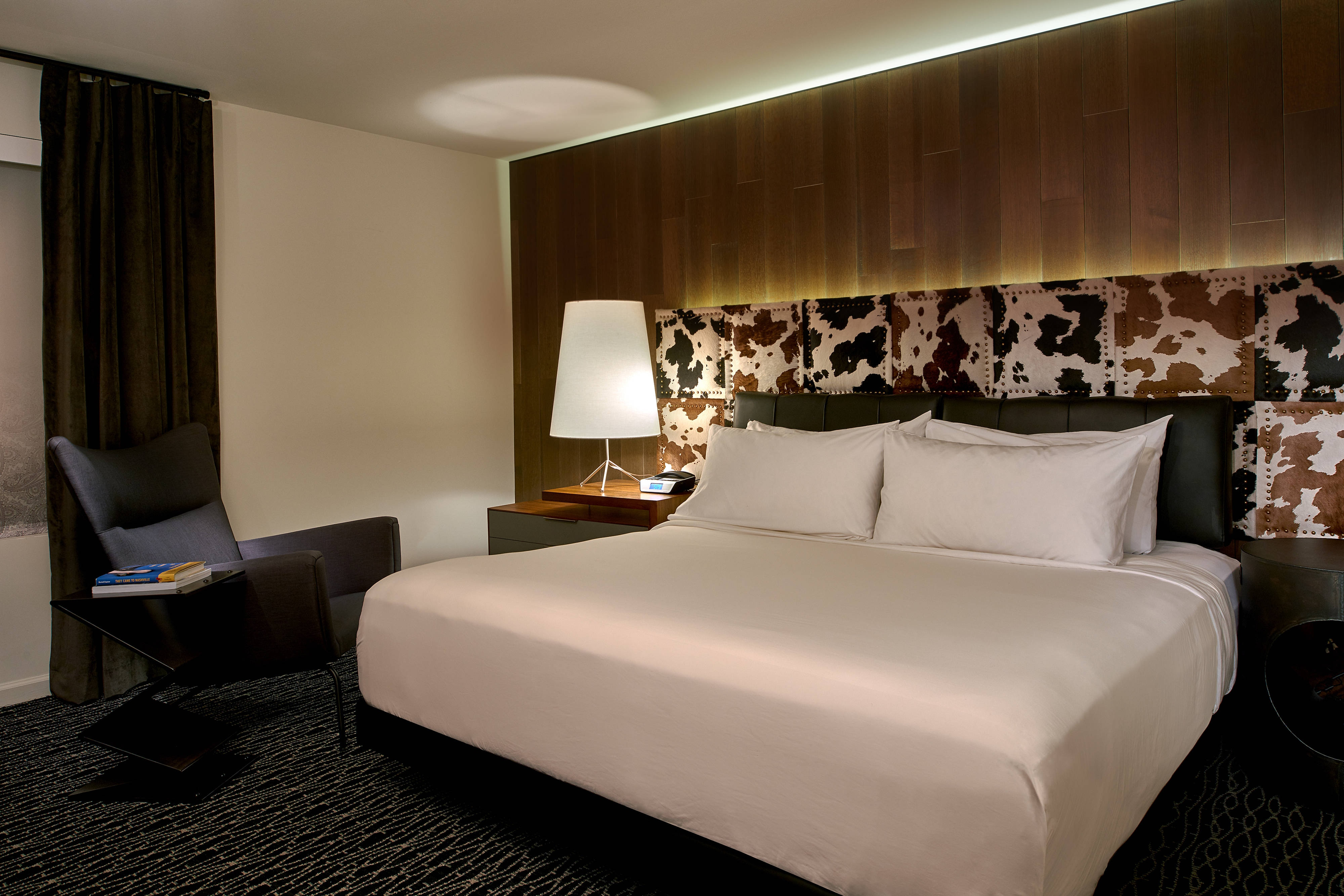 Boutique Style Hotel Rooms & Suites in Downtown Nashville