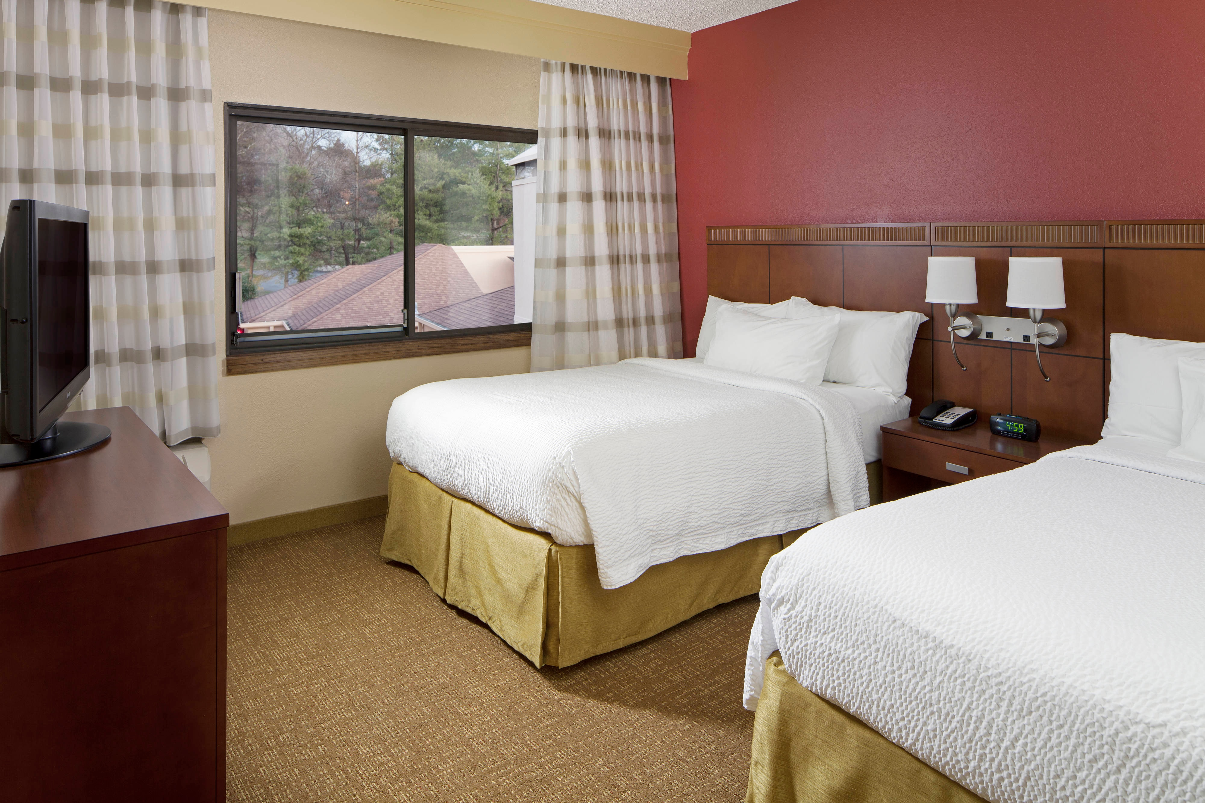 Nashville airport hotel rooms and suites courtyard nashville airport for 2 bedroom hotel suites nashville tn