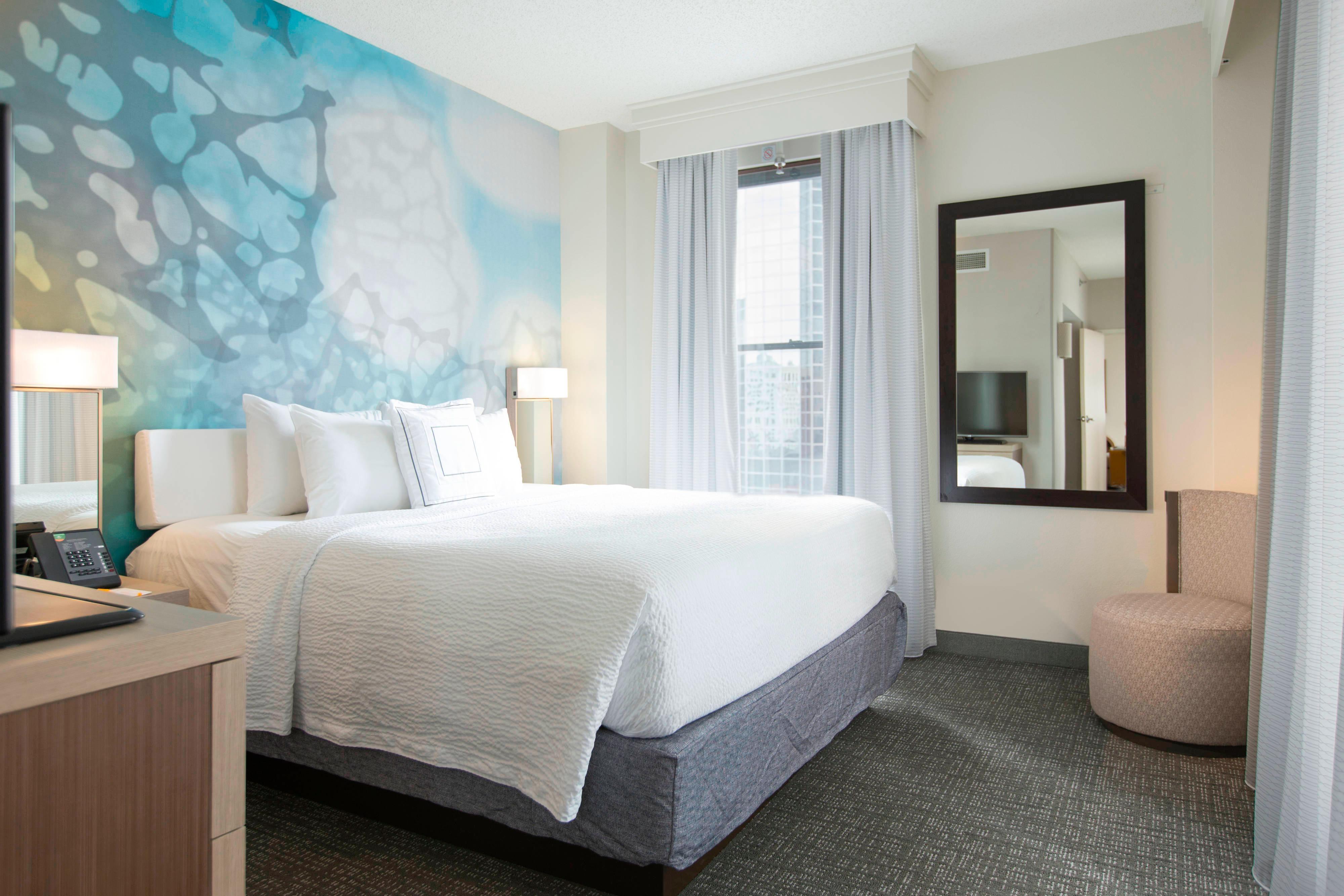 Nashville One-Bedroom King Suite