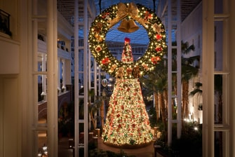 Delta Atrium Christmas Tree