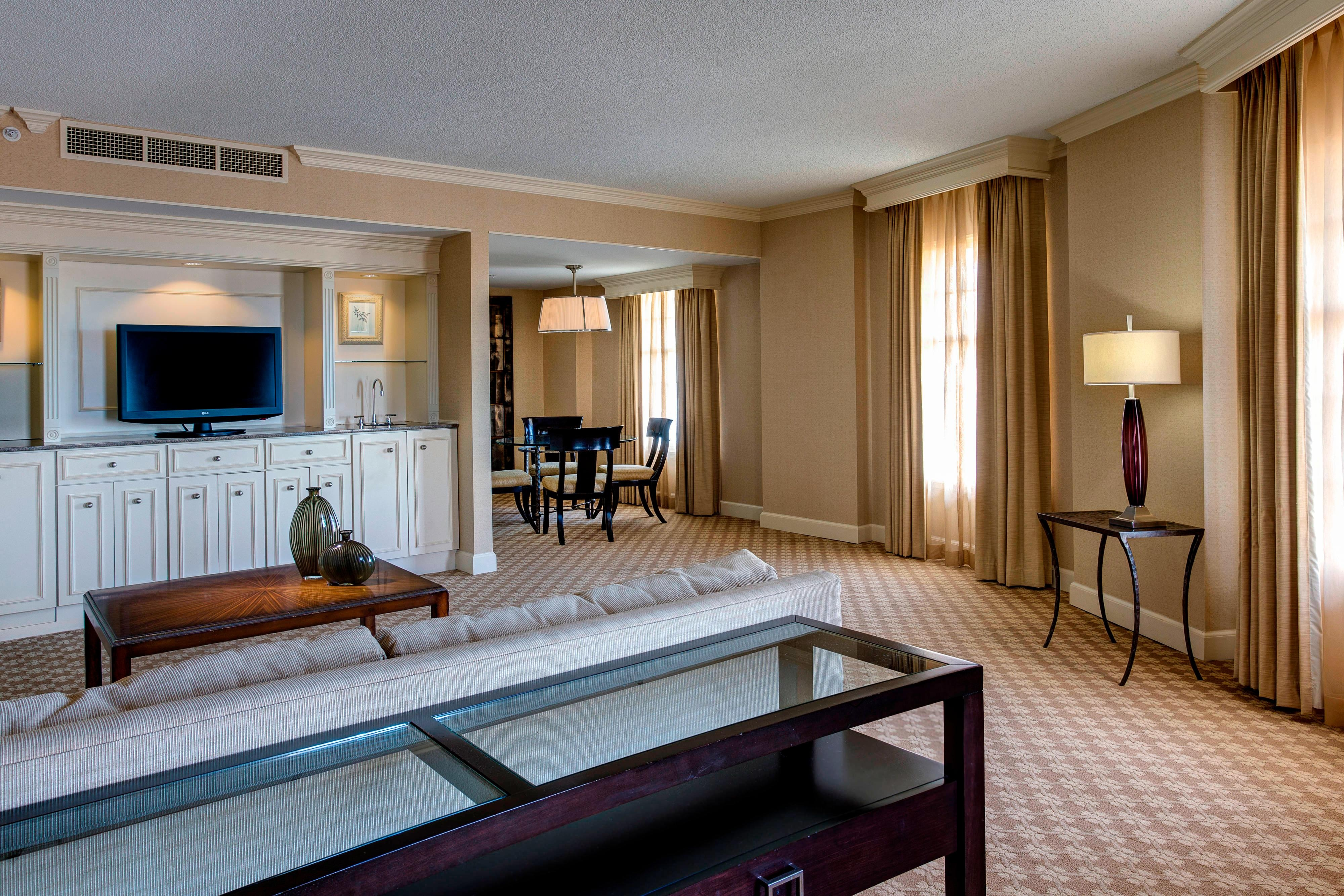 Hotel Rooms In Nashville Tennessee Gaylord Opryland Resort Convention Center