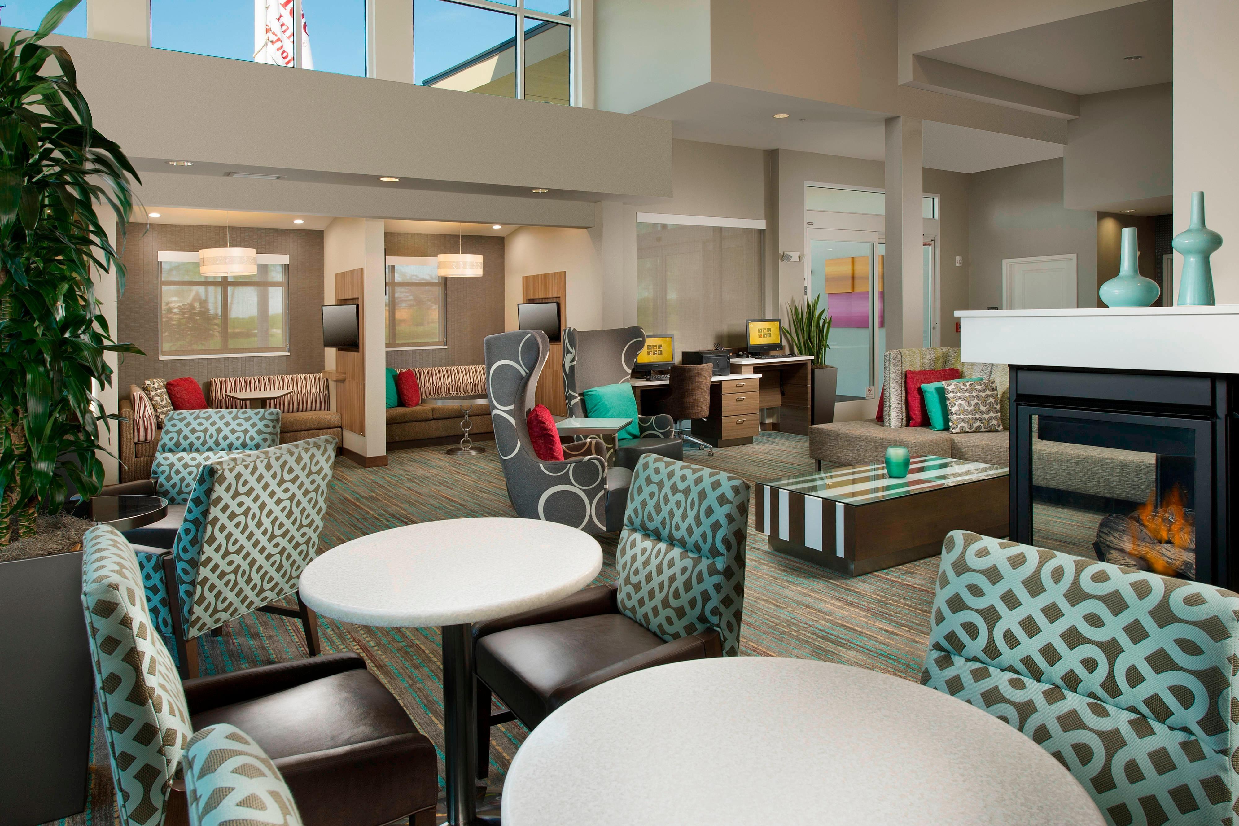 Murfreesboro Residence Lobby Lounge