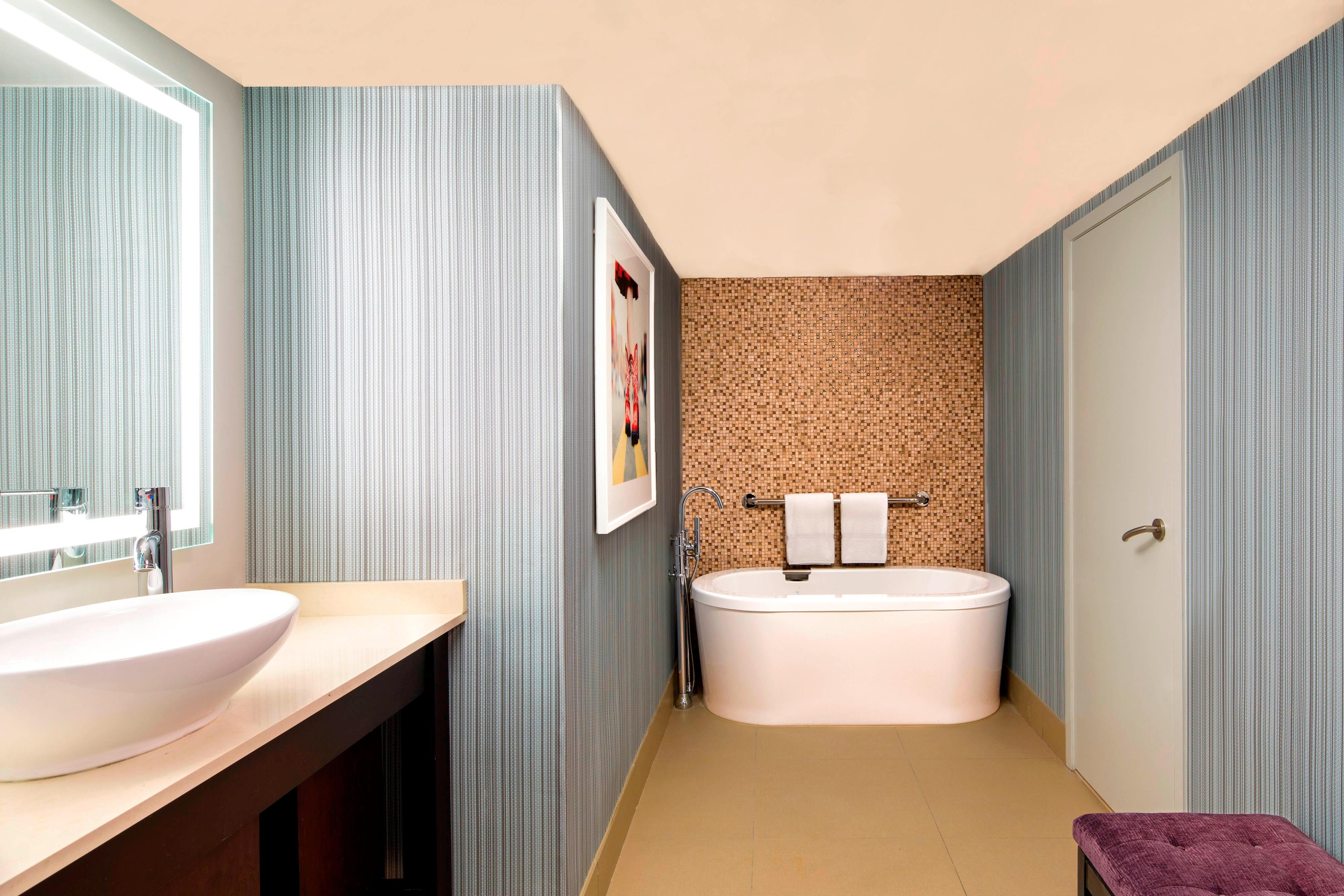 Governors Suite - Bathroom