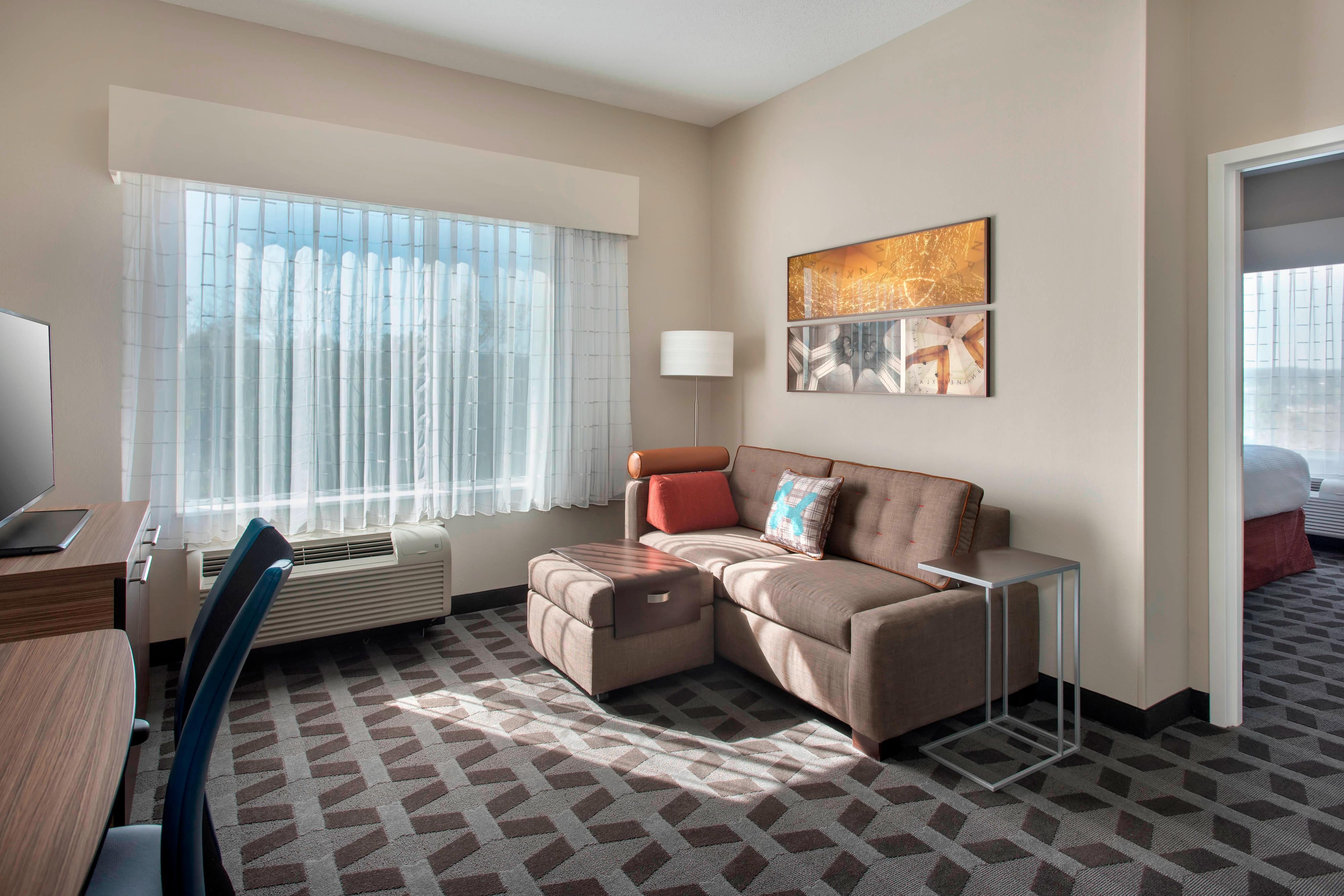 Queen One-Bedroom Suite