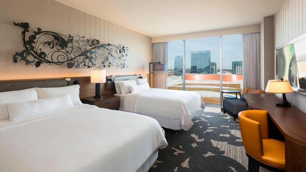 Chambre traditionnelle avec deux lits queen size