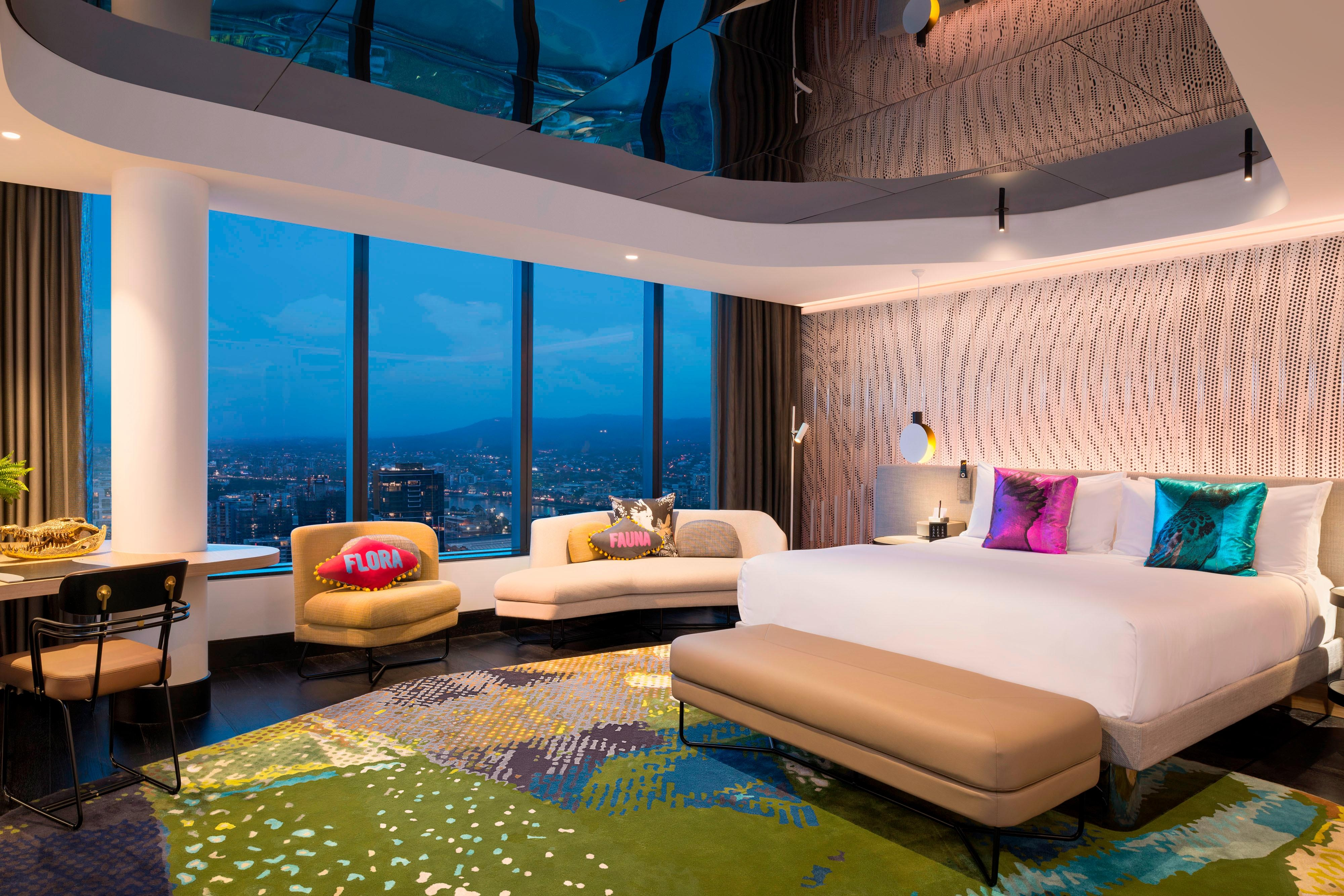 King E WOW Suite