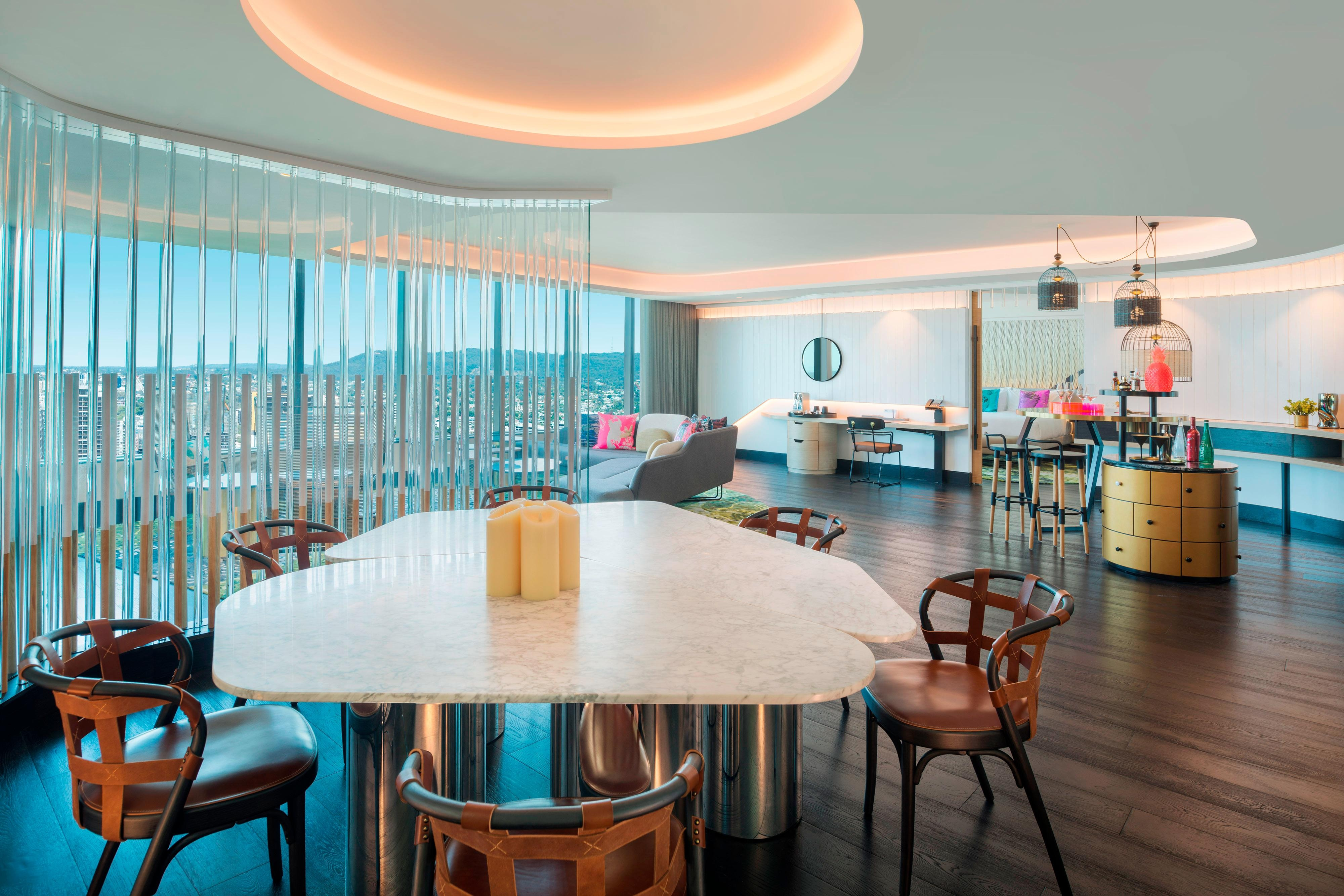 WOW Suite Lounge