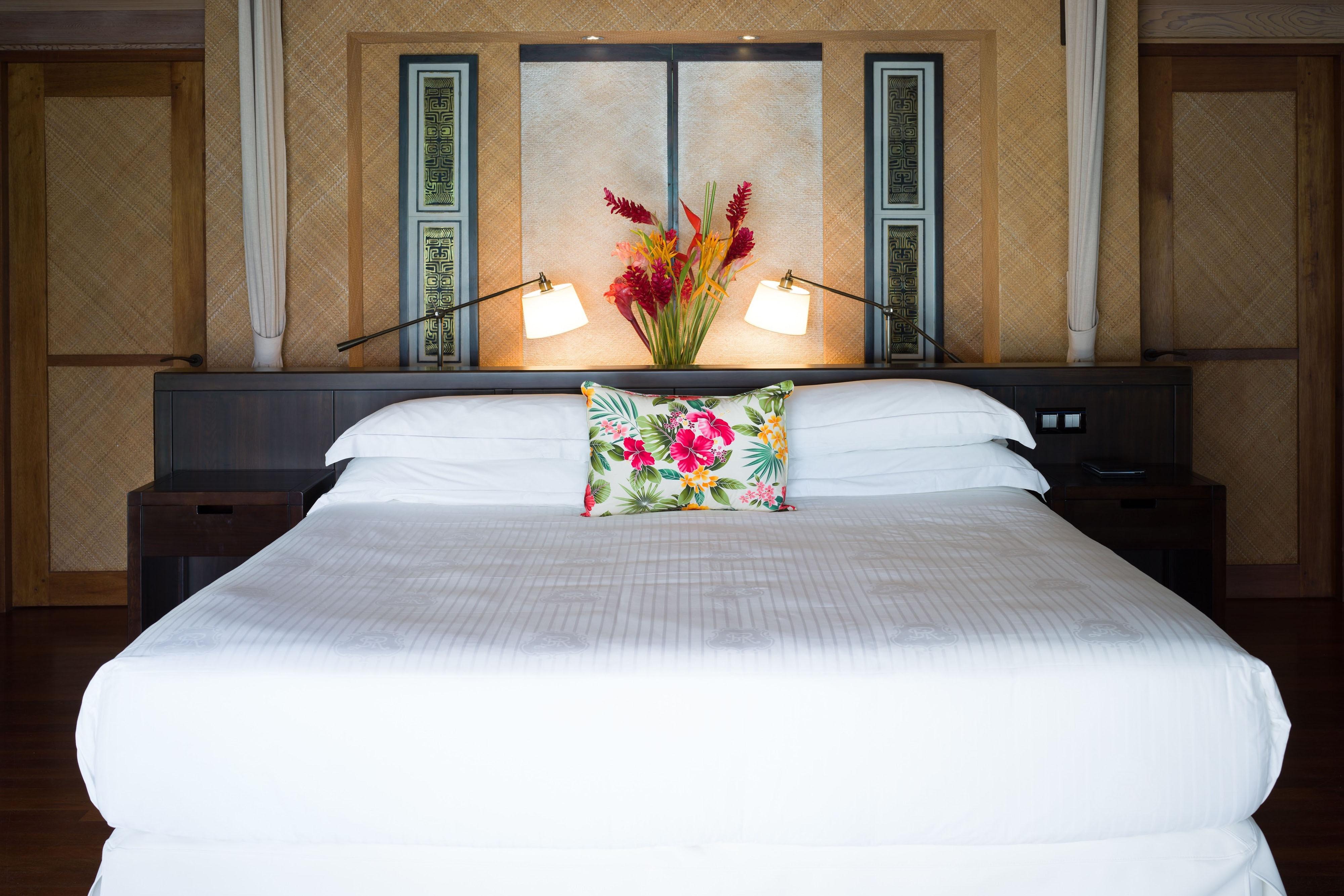 Superior King Overwater Villa - Bedroom