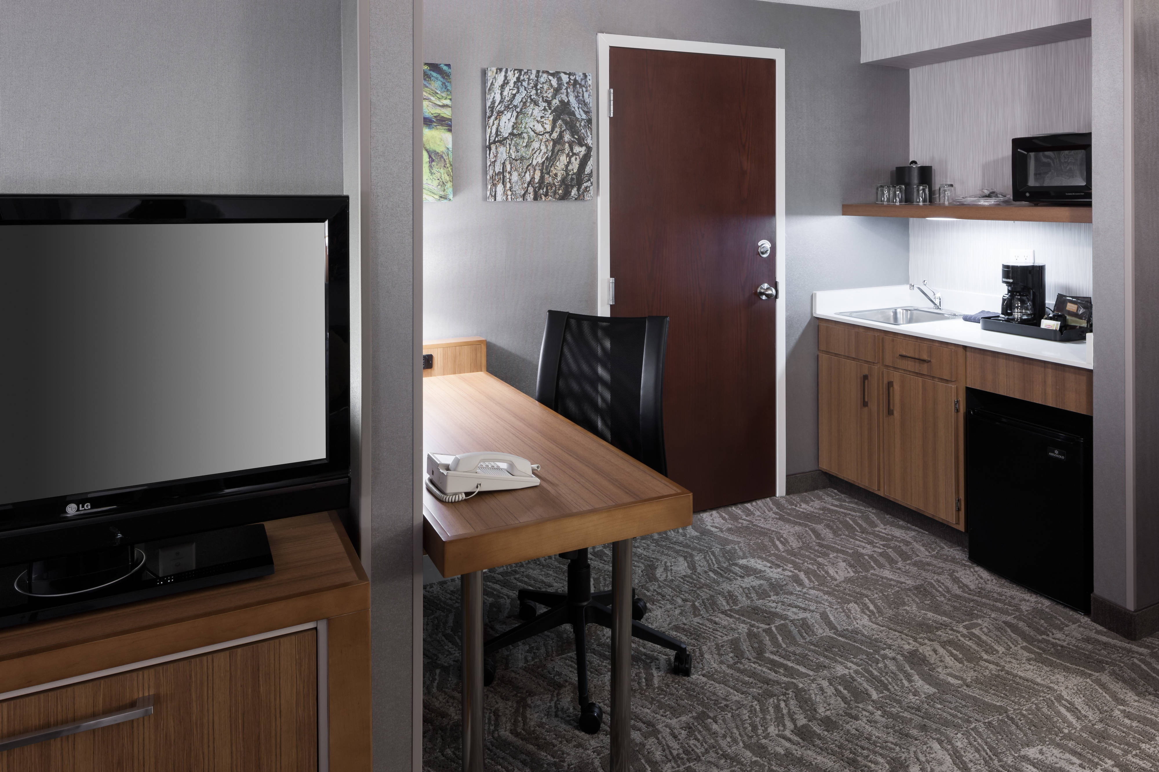 work desk/wetbar SpringHill Suites Boise ParkCenter