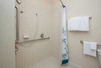Boise Idaho Hotel Accessible Shower