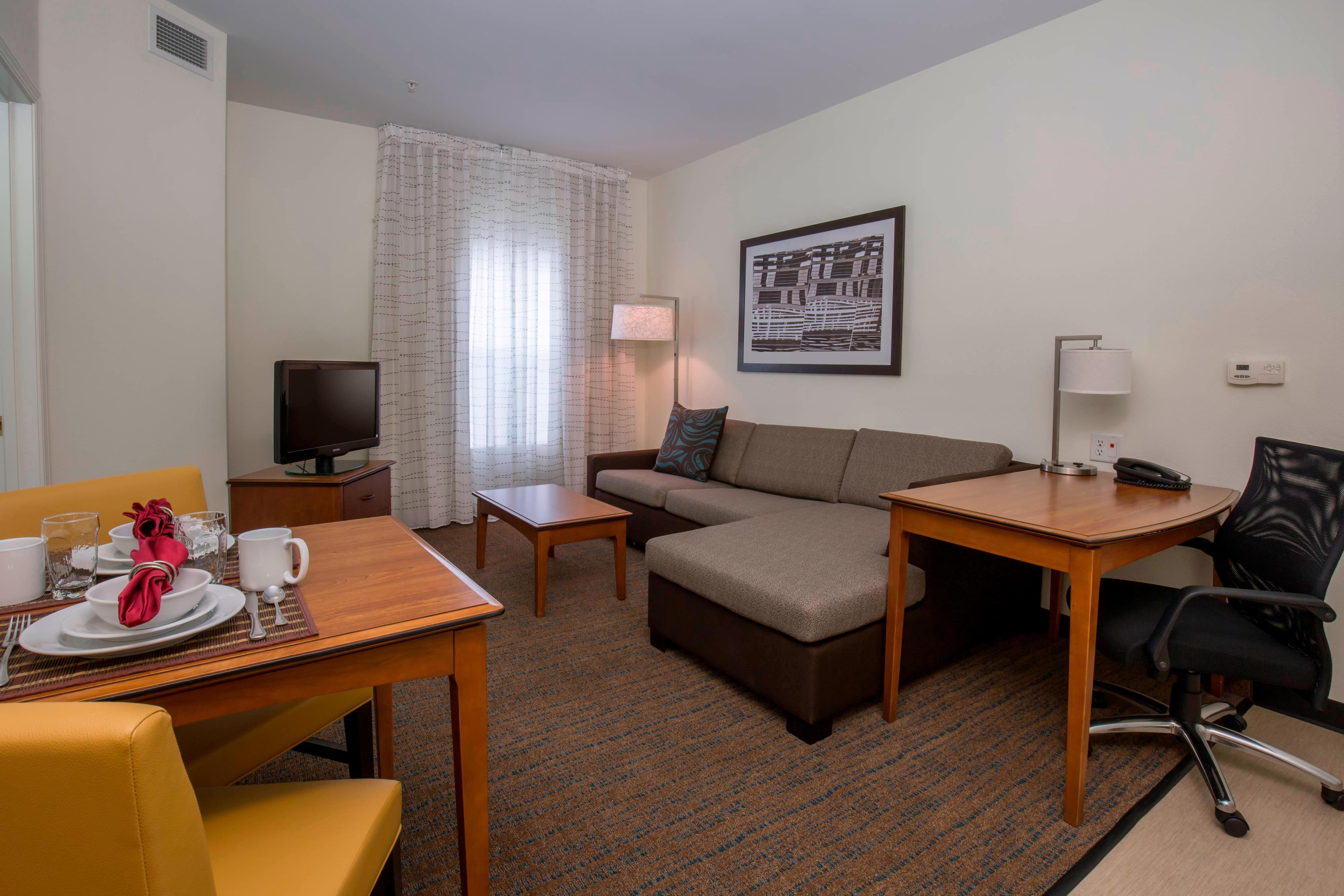 Boise Idaho Hotel Suite Seating