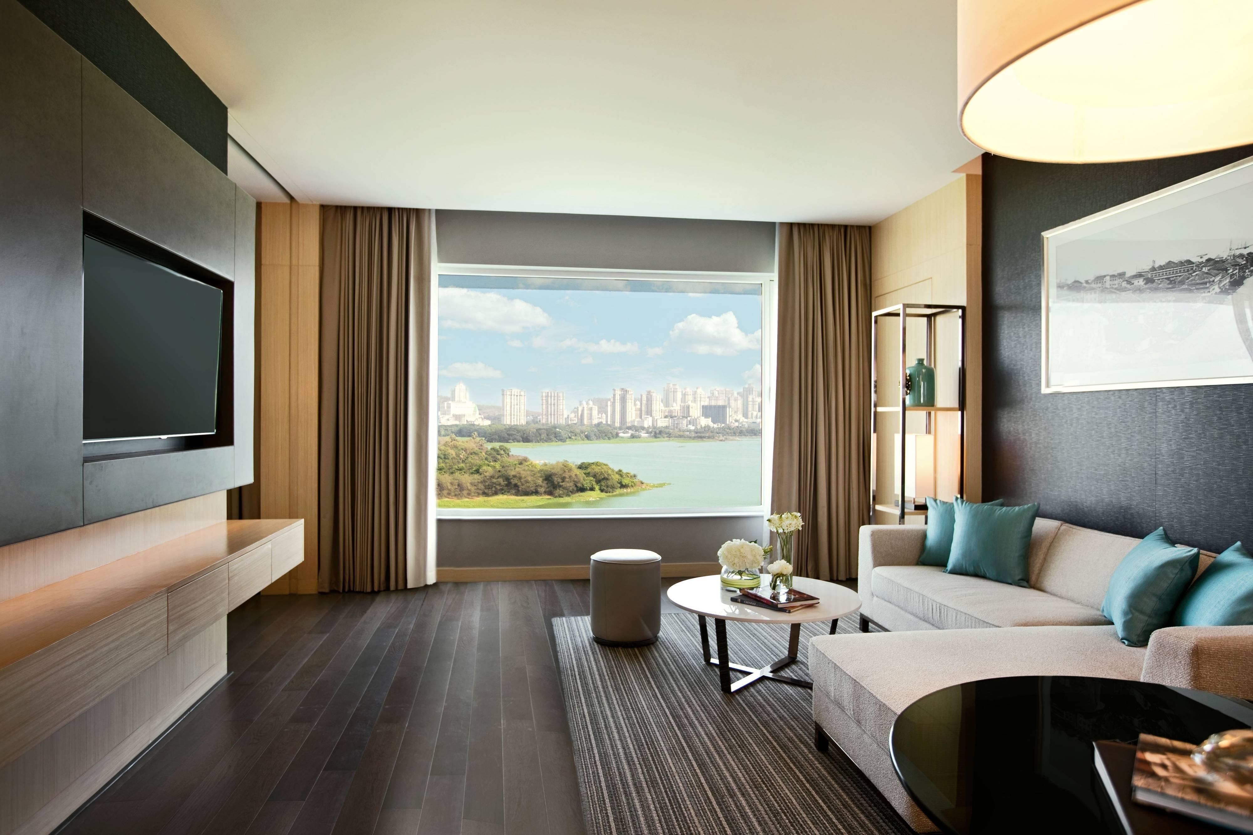 5 Star Hotel In Powai Mumbai Renaissance Mumbai