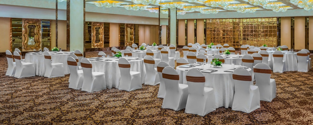 The Imperial Hall featuring round Table Setting